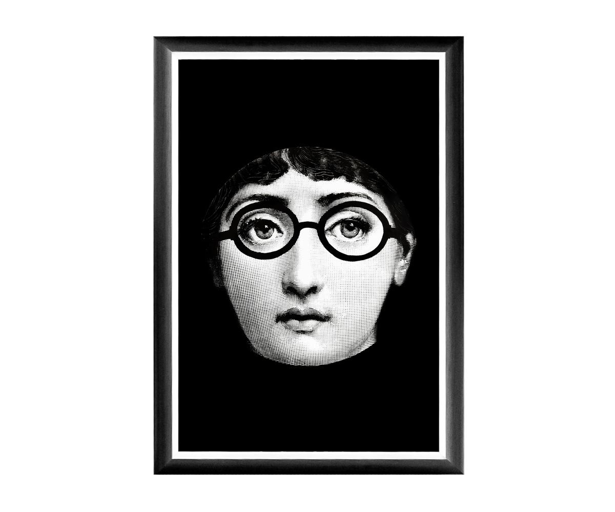 Арт-постер Лина, версия ЛеннонПостеры<br>&amp;lt;div&amp;gt;В угоду артистической публике, предлагаем галерею репродукций в манере нью-йоркского поп-арта, тиражирующего неожиданные версии одного портрета. Особый шик постеру придают грациозная багетная рама, белая окантовка и глянцевый отблеск защитного покрытия. Богемные сюжеты, преподнесенный в нотах изящного юмора, наверняка поднимет градус настроения Вашей домашней атмосфере.Черно-белые постеры близки современным интерьерам, насыщенным цифровой техникой и модными гаджетами. Престижные интерьеры &amp;quot;хай-тэк&amp;quot;, &amp;quot;лофт&amp;quot;, &amp;quot;индастриал&amp;quot; немыслимы без контрастных интерьерных деталей, разграничивающих атмосферы деловитой прагматичности и безмятежного релакса. Вертикальные постеры не претендуют на центральное расположение в комнате. В зависимости от планировки, они незаменимы для узких пространств, простенков между дверьми или окнами, для торца длинного коридора и посреди предметов мебели. Белая внутренняя кайма рамы внушает портрету особую выразительность. Изображение защищено стеклопластиком, стойким к микроцарапинам и помутнению. Арт-постеры из коллекции &amp;quot;Лина&amp;quot; - артистичный комплимент Вашего интерьера.&amp;lt;/div&amp;gt;&amp;lt;div&amp;gt;&amp;lt;br&amp;gt;&amp;lt;/div&amp;gt;&amp;lt;div&amp;gt;Материал: багет из полистирола, защитный слой стеклопластик, изображение дизайнерская бумага.&amp;lt;/div&amp;gt;&amp;lt;div&amp;gt;&amp;lt;br&amp;gt;&amp;lt;/div&amp;gt;<br><br>&amp;lt;iframe width=&amp;quot;530&amp;quot; height=&amp;quot;360&amp;quot; src=&amp;quot;https://www.youtube.com/embed/MqeeEoEbmPE&amp;quot; frameborder=&amp;quot;0&amp;quot; allowfullscreen=&amp;quot;&amp;quot;&amp;gt;&amp;lt;/iframe&amp;gt;<br><br>Material: Бумага<br>Ширина см: 46.0<br>Высота см: 66.0<br>Глубина см: 2.0