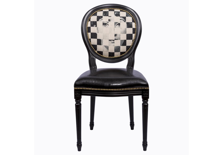 Стул Лина, версия ЭксельсиорОбеденные стулья<br>Смелые контрасты - эффектный прием интерьера, ценящего стиль и индивидуальность. Пример тому - экстравагантный стул &amp;quot;Эксельсиор&amp;quot;, в котором матовый блеск льна гармонирует с кожаным глянцем сиденья, а дворцовый силуэт эпохи Луи-Филиппа - с рисунком современного &amp;quot;поп-арта&amp;quot; и гирляндой золотистых анкеров, мерцающих подобно драгоценностям. Предпочитая декоративность, не сомневайтесь в комфорте и прочности мебели, изготовленной из натурального бука.Стул &amp;quot;Лина&amp;quot; - универсальное, но отборное решение гостиной и столовой, каминного зала, холла, кабинета и спальни.&amp;lt;div&amp;gt;&amp;lt;br&amp;gt;&amp;lt;/div&amp;gt;&amp;lt;div&amp;gt;&amp;lt;br&amp;gt;&amp;lt;/div&amp;gt;&amp;lt;iframe width=&amp;quot;530&amp;quot; height=&amp;quot;315&amp;quot; src=&amp;quot;https://www.youtube.com/embed/MqeeEoEbmPE&amp;quot; frameborder=&amp;quot;0&amp;quot; allowfullscreen=&amp;quot;&amp;quot;&amp;gt;&amp;lt;/iframe&amp;gt;<br><br>Material: Кожа<br>Ширина см: 50<br>Высота см: 98<br>Глубина см: 47
