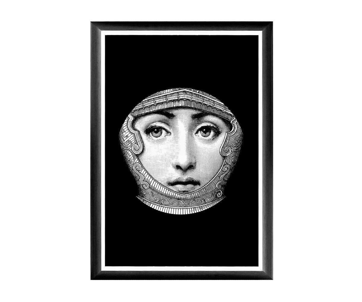 Арт-постер Лина, версия  КолизейПостеры<br>Четкая геометрическая форма и строгий цвет рамы - секрет гармонии арт-постеров с современными интерьерами, насыщенными цифровой техникой и модными гаджетами. Престижные интерьеры &amp;quot;хай-тэк&amp;quot;, &amp;quot;лофт&amp;quot;, &amp;quot;индастриал&amp;quot; немыслимы без контрастных интерьерных деталей, разграничивающих атмосферы деловитой прагматичности и безмятежного релакса.Яркие контрасты - привилегия интерьера, ценящего стиль и индивидуальность.  Грациозные вертикальные постеры не претендуют на центральное расположение в комнате. В зависимости от планировки, они незаменимы для узких пространств, простенков между дверьми или окнами, для торца длинного коридора и посреди предметов мебели. Белая внутренняя кайма рамы внушает портрету особую выразительность. Изображение защищено стеклопластиком, стойким к микроцарапинам и помутнению. Арт-постеры &amp;quot;Лина&amp;quot; - инструмент идеального домашнего интерьера.<br><br>Material: Бумага<br>Width см: 46<br>Depth см: 1<br>Height см: 66