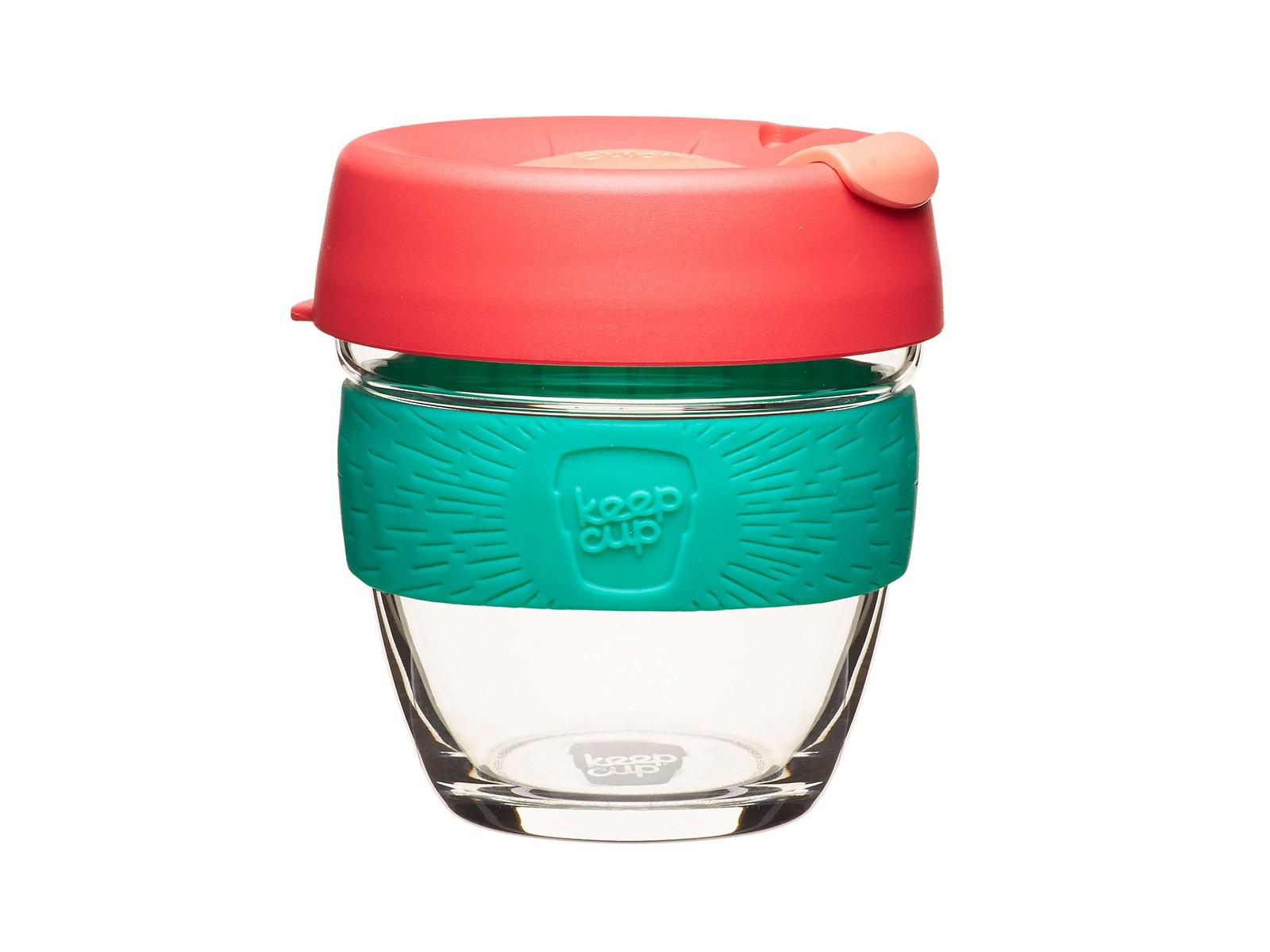 Кружка Keepcup figЧайные пары и чашки<br>Главная идея KeepCup – вдохновить любителей кофе отказаться от использования одноразовых бумажных и пластиковых стаканов, так как их производство и утилизация наносят вред окружающей среде. В год производится и выбрасывается около 500 миллиардов одноразовых стаканчиков, а ведь планета у нас всего одна! <br>Но главный плюс кружки  – привлекательный и яркий дизайн, который станет отражением вашего личного стиля. Берите её в кафе или наливайте кофе, чай, сок дома, чтобы взять с собой - пить вкусные напитки на ходу, на работе или на пикнике. Специальная крышка с открывающимся и закрывающимся клапаном спасет от брызг, а силиконовый ободок поможет не обжечься (плюс, удобно держать кружку в руках.<br>Крышка сделана из нетоксичного пластика без содержания вредного бисфенола (BPA-free). Корпус - из закаленного стекла, устойчивого к термическому и механическому воздействию. Разработана и произведена в Австралии.&amp;lt;div&amp;gt;&amp;lt;br&amp;gt;&amp;lt;/div&amp;gt;&amp;lt;div&amp;gt;Объем: 227 мл.&amp;lt;br&amp;gt;&amp;lt;/div&amp;gt;<br><br>Material: Стекло<br>Height см: 10<br>Diameter см: 8