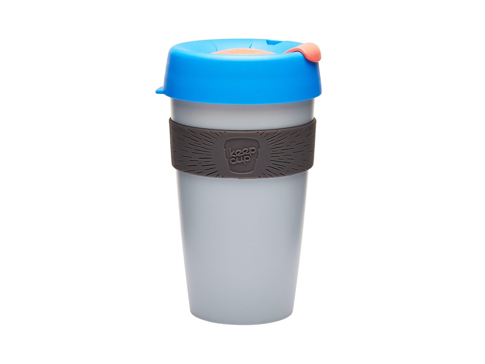 Кружка Keepcup ashЧайные пары, чашки и кружки<br>Кружка, созданная с мыслями о вас и о планете. Главная идея KeepCup – вдохновить любителей кофе отказаться от использования одноразовых бумажных и пластиковых стаканов, так как их производство и утилизация наносят вред окружающей среде. В год производится и выбрасывается около 500 миллиардов одноразовых стаканчиков, а ведь планета у нас всего одна! <br>Но главный плюс кружки  – привлекательный и яркий дизайн, который станет отражением вашего личного стиля. Берите ее в кафе или наливайте кофе, чай, сок дома, чтобы взять с собой - пить вкусные напитки на ходу, на работе или на пикнике. Специальная крышка с открывающимся и закрывающимся клапаном спасет от брызг, силиконовый ободок поможет не обжечься (плюс, удобно держать кружку в руках), а плотная крышка и толстые стенки сохранят напиток теплым в течение 20~30 минут. <br>Кружка сделана из нетоксичного пластика без содержания вредного бисфенола (BPA-free). Можно использовать в микроволновке и мыть в посудомоечной машине.&amp;amp;nbsp;&amp;lt;div&amp;gt;&amp;lt;br&amp;gt;&amp;lt;/div&amp;gt;&amp;lt;div&amp;gt;Объем: 454 мл.&amp;lt;br&amp;gt;&amp;lt;/div&amp;gt;<br><br>Material: Пластик<br>Height см: 15,8<br>Diameter см: 8,8