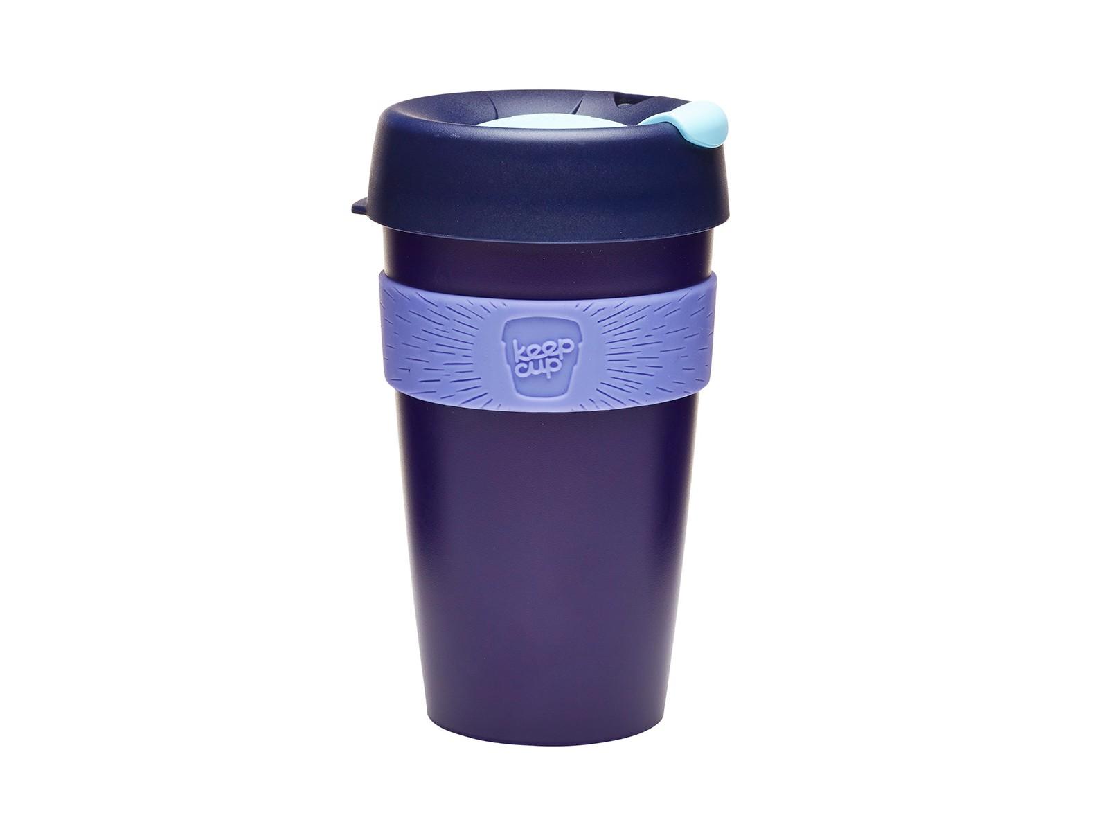 Кружка Keepcup blueberryЧайные пары, чашки и кружки<br>Кружка, созданная с мыслями о вас и о планете. Главная идея KeepCup – вдохновить любителей кофе отказаться от использования одноразовых бумажных и пластиковых стаканов, так как их производство и утилизация наносят вред окружающей среде. В год производится и выбрасывается около 500 миллиардов одноразовых стаканчиков, а ведь планета у нас всего одна! <br>Но главный плюс кружки  – привлекательный и яркий дизайн, который станет отражением вашего личного стиля. Берите ее в кафе или наливайте кофе, чай, сок дома, чтобы взять с собой - пить вкусные напитки на ходу, на работе или на пикнике. Специальная крышка с открывающимся и закрывающимся клапаном спасет от брызг, силиконовый ободок поможет не обжечься (плюс, удобно держать кружку в руках), а плотная крышка и толстые стенки сохранят напиток теплым в течение 20~30 минут. <br>Кружка сделана из нетоксичного пластика без содержания вредного бисфенола (BPA-free). Можно использовать в микроволновке и мыть в посудомоечной машине.&amp;lt;div&amp;gt;&amp;lt;br&amp;gt;&amp;lt;/div&amp;gt;&amp;lt;div&amp;gt;Объем: 454 мл.&amp;lt;br&amp;gt;&amp;lt;/div&amp;gt;<br><br>Material: Пластик<br>Height см: 15,8<br>Diameter см: 8,8