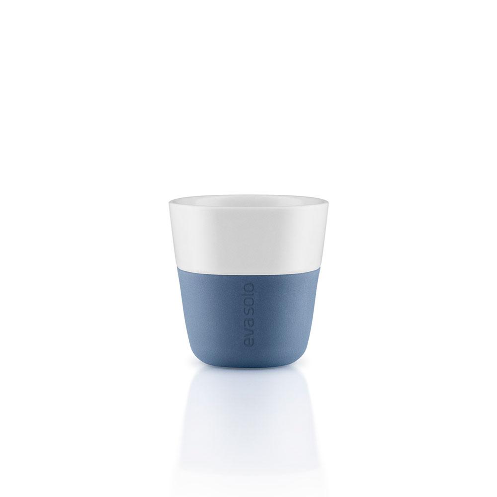 Чашки для эспрессо (2 шт)Чайные пары и чашки<br>Eva Solo разработала новые стаканы различной емкости, для трех самых популярных видов кофе - эспрессо (80мл), лунго (230мл) и латте (360мл). В них помещается именно то количество молока и пены, которая соответствует стандартным параметрам на популярные капусльные кофе-машины. Другими словами, вы можете сварить ваш любимый кофе, используя такие кофе-машины как Nespresso, Dolce Gusto или Philips Senseo прямо в стакан. Чаши сделаны из фарфора с силиконовой оболочкой, которая обеспечивает хорошее сцепление с поверхностью, а так же предотвращая ожог пальцев. Стаканы можно мыть в посудомоечной машине предварительно сняв силиконовую часть.&amp;lt;div&amp;gt;&amp;lt;br&amp;gt;&amp;lt;/div&amp;gt;&amp;lt;div&amp;gt;Объем: 80 мл.&amp;lt;br&amp;gt;&amp;lt;/div&amp;gt;<br><br>Material: Фарфор<br>Height см: 6<br>Diameter см: 6