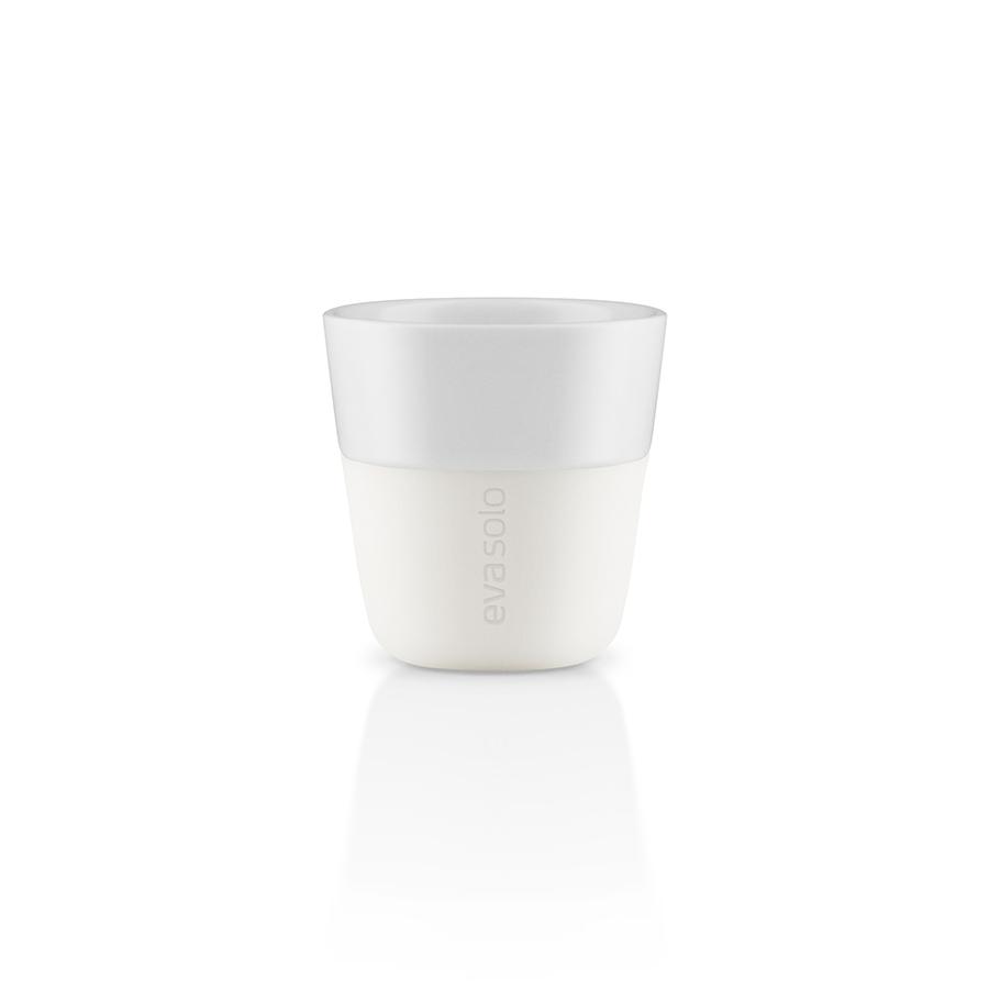 Чашки для эспрессо (2 шт)Чайные пары и чашки<br>Чашка для эспрессо от Eva Solo рассчитана на 80 мл - классическое количество эспрессо, а также стандарт для большинства кофе-машин. Чашка сделана из фарфора и имеет специальный силиконовый чехол, чтобы её можно было держать в руках, не рискуя обжечь пальцы. Чехол легко снимается, и чашку можно мыть в посудомоечной машине. Умные и красивые предметы посуды от Eva Solo будут украшением любой кухни!<br><br>Material: Фарфор<br>Height см: 6<br>Diameter см: 6