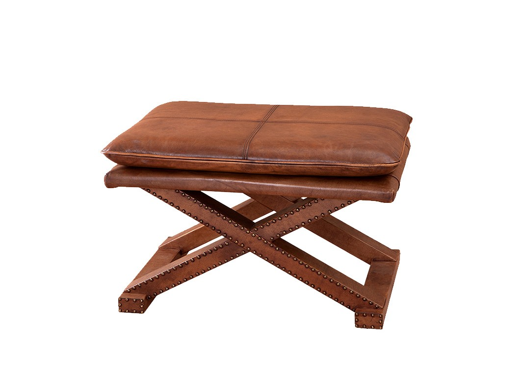СтулТабуреты<br>Стул с оригинальным дизайном Brookfield. Каркас и седушка обтянуты кожей светло-коричневого цвета.<br><br>Material: Кожа<br>Width см: 76<br>Depth см: 46<br>Height см: 54
