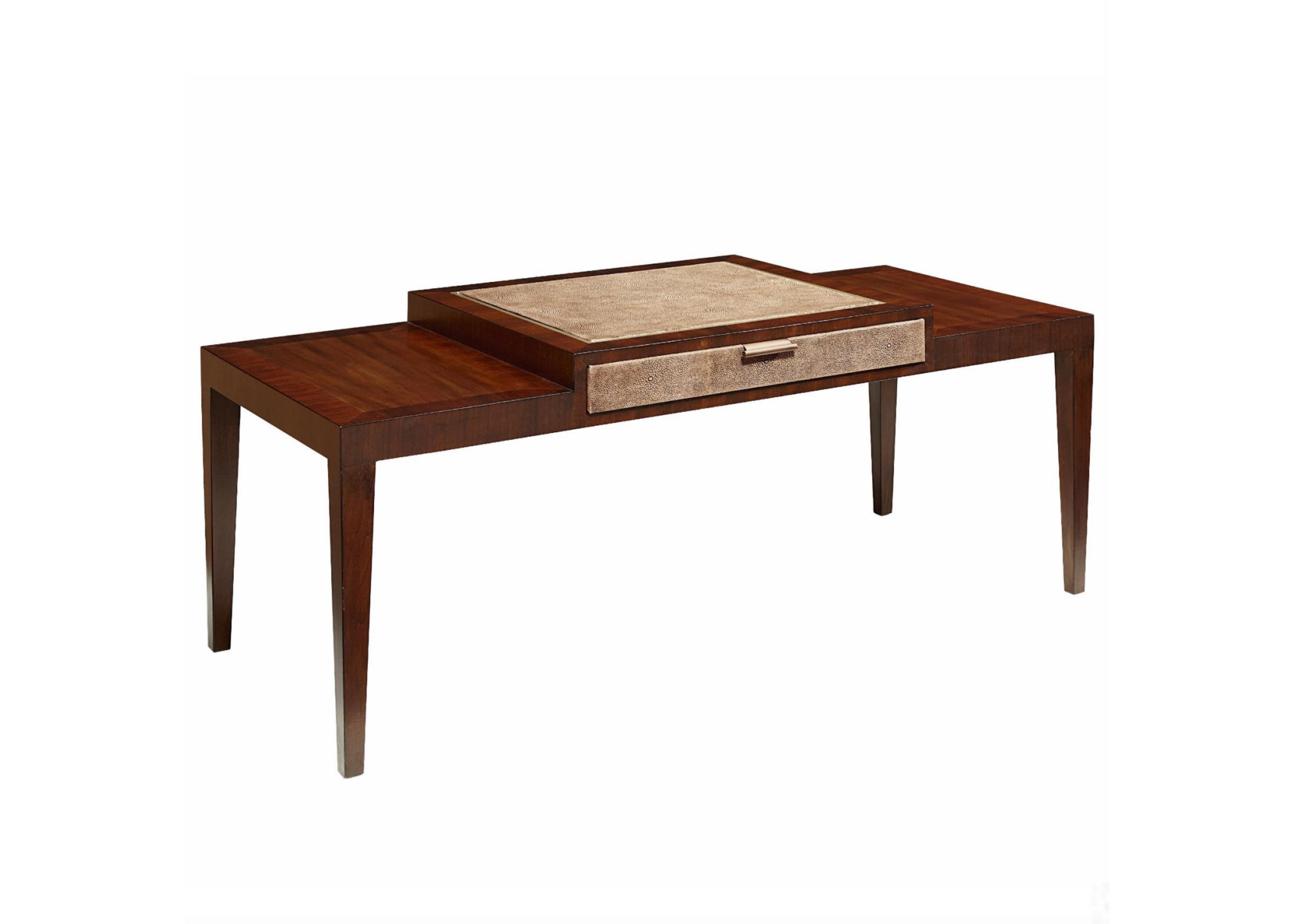 Стол журнальныйЖурнальные столики<br>Стол имеет 1 выдвижной ящик, который выдвигается с двух сторон. Отделка - кожа ската.<br><br>Material: Дерево<br>Ширина см: 127<br>Высота см: 45<br>Глубина см: 56