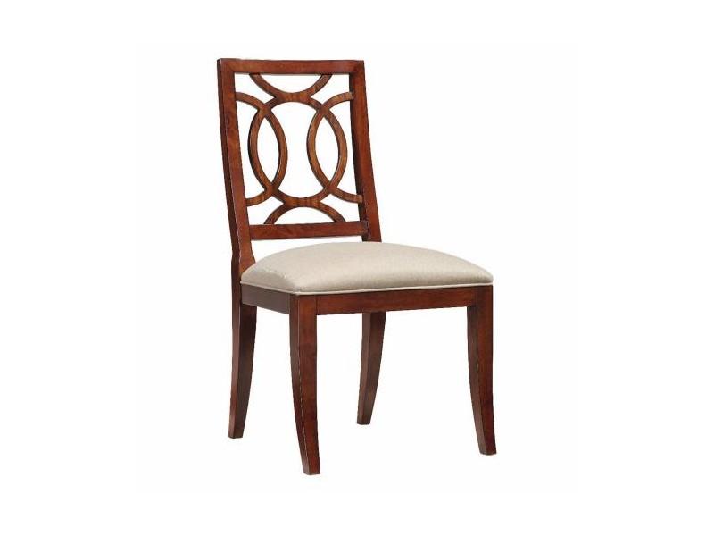 СтулОбеденные стулья<br>Стул деревянный. Сиденье обтянуто тканью бежевого цвета.<br><br>Material: Дерево<br>Width см: 55<br>Depth см: 59<br>Height см: 102