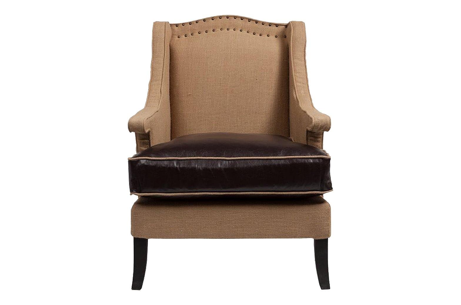 Кресло GrandechoКресла с высокой спинкой<br>Кресло Grandecho воплотило в себе сдержанную элегантность и неброский шик. Выполненное тонко и изящно, оно выглядит оригинально и ненавязчиво, современно и, вместе с тем, классически. Поэтому дополнить интерьер кабинета или гостиной таким креслом будет, пожалуй, лучшим решением для всех, кто ценит стиль и изысканность. Будучи необычайно комфортным, это кресло, тем не менее, имеет дополнительную, делающую его еще более удобным, опцию: высота посадки регулируется использованием съемной подушки. Такая функциональность становится еще одним приятным штрихом в обширнейшем списке достоинств данного кресла, включающем также эстетичность, надежность, простоту ухода, безопасность и доступную цену.<br><br>Material: Кожа<br>Width см: 74<br>Depth см: 80<br>Height см: 101
