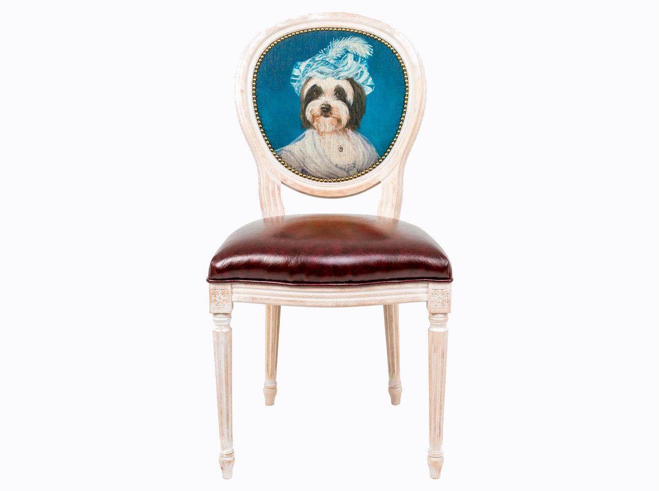 Стул «Музейный экспонат», версия 36Обеденные стулья<br>Корпус стула изготовлен из натурального бука. Среди европейских пород бук чтится самым прочным и долговечным материалом. Обладая широкой, плотной и однородной структурой, он максимально благоприятен для производства мебели и резьбы по дереву. В дизайне &amp;quot;Музейный экспонат&amp;quot; резьба играет ведущую роль: стул украшен вычурными желобками и цветочными узорами, выточенными с ювелирной меткостью. В угоду сегодняшней моде &amp;quot;шебби-шик&amp;quot;, благородная фактура натурального дерева акцентирована рукописной искусственной патиной. Приметы старины обладают специфическим обаянием и теплом.<br>Комфортабельность, прочность и долговечность сиденья обеспечены подвеской из эластичных ремней.<br>Обивка оснащена тефлоновым покрытием против пятен.<br>Не упустите возможности обладания поистине уникальной дизайнерской мебелью, - коллекция &amp;quot;Музейный экспонат&amp;quot; выпущена лимитированными экземплярами.<br>&amp;lt;div&amp;gt;&amp;lt;br&amp;gt;&amp;lt;/div&amp;gt;&amp;lt;div&amp;gt;Каркас - натуральное дерево бука, обивка сиденья и оборотной стороны спинки - эко-кожа, обивка спинки: 29% лен, 9 % хлопок, 72% полиэстер&amp;lt;br&amp;gt;&amp;lt;/div&amp;gt;<br><br>Material: Дерево<br>Ширина см: 55<br>Высота см: 95<br>Глубина см: 50
