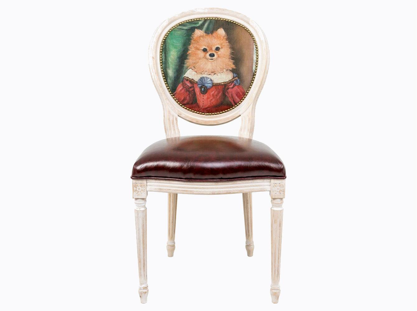 Стул «Музейный экспонат», версия 31Обеденные стулья<br>Стул &amp;quot;Музейный экспонат&amp;quot; - универсальное, но отборное решение гостиной и столовой, каминного зала, холла и кабинета, спальни и детской комнаты. Глянцевое шоколадное сиденье объединилось с шелковистой льняной спинкой, а королевский силуэт эпохи Луи-Филиппа - с рисунком в жанре современного анимализма, подражающего ярким придворным полотнам эпохи Возрождения.  <br>Эклектичный дизайн обещает соседство с большинством классических и авангардных стилей.<br>Корпус стула изготовлен из натурального бука. В угоду моде &amp;quot;шебби-шик&amp;quot;, благородная фактура натурального дерева подчеркнута рукописной патиной. Штрихи старины обладают специфическим обаянием и теплом. В дизайне &amp;quot;Музейный экспонат&amp;quot; резьба играет ведущую роль: стул украшен вычурными желобками и цветочными узорами, выточенными с ювелирной меткостью. Комфортабельность, прочность и долговечность сиденья обеспечены подвеской из эластичных ремней. <br>Обивка спинки оснащена тефлоновым покрытием против пятен.&amp;lt;div&amp;gt;&amp;lt;br&amp;gt;&amp;lt;/div&amp;gt;&amp;lt;div&amp;gt;Каркас - натуральное дерево бука, обивка сиденья и оборотной стороны спинки - эко-кожа, обивка спинки: 29% лен, 9 % хлопок, 72% полиэстер&amp;lt;br&amp;gt;&amp;lt;/div&amp;gt;<br><br>Material: Дерево<br>Width см: 55<br>Depth см: 50<br>Height см: 95