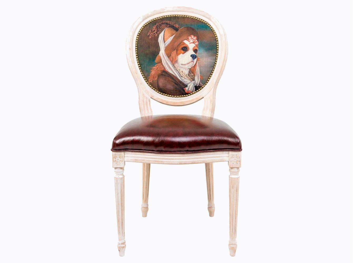 Стул «Музейный экспонат», версия 28Обеденные стулья<br>Стул &amp;quot;Музейный экспонат&amp;quot; - универсальное, но отборное решение гостиной, столовой, спальни, кабинета, холла и детской комнаты.<br>Корпус стула изготовлен из натурального бука. Среди европейских пород бук считается самым прочным и долговечным материалом. В дизайне &amp;quot;Музейный экспонат&amp;quot; резьба играет ведущую роль: стул украшен вычурными желобками и цветочными узорами, выточенными с ювелирной меткостью.  В угоду моде &amp;quot;шебби-шик&amp;quot;, благородная фактура натурального дерева подчеркнута рукописной патиной. Штрихи старины обладают специфическим обаянием и теплом. <br>Приобретая такую модель, можно быть уверенными в её эклектическом единстве с роскошным &amp;quot;ренессансом&amp;quot; и изнеженным &amp;quot;ампиром&amp;quot;, аскетичным &amp;quot;лофтом&amp;quot; и салонным &amp;quot;ар-деко&amp;quot;.<br>Комфортабельность, прочность и долговечность сиденья обеспечены подвеской из эластичных ремней. <br>Обивка спинки оснащена тефлоновым покрытием против пятен.&amp;amp;nbsp;&amp;lt;div&amp;gt;&amp;lt;br&amp;gt;&amp;lt;/div&amp;gt;&amp;lt;div&amp;gt;Каркас - натуральное дерево бука, обивка сиденья и оборотной стороны спинки - эко-кожа, обивка спинки: 29% лен, 9 % хлопок, 72% полиэстер&amp;lt;br&amp;gt;&amp;lt;/div&amp;gt;<br><br>Material: Дерево<br>Width см: 55<br>Depth см: 50<br>Height см: 95