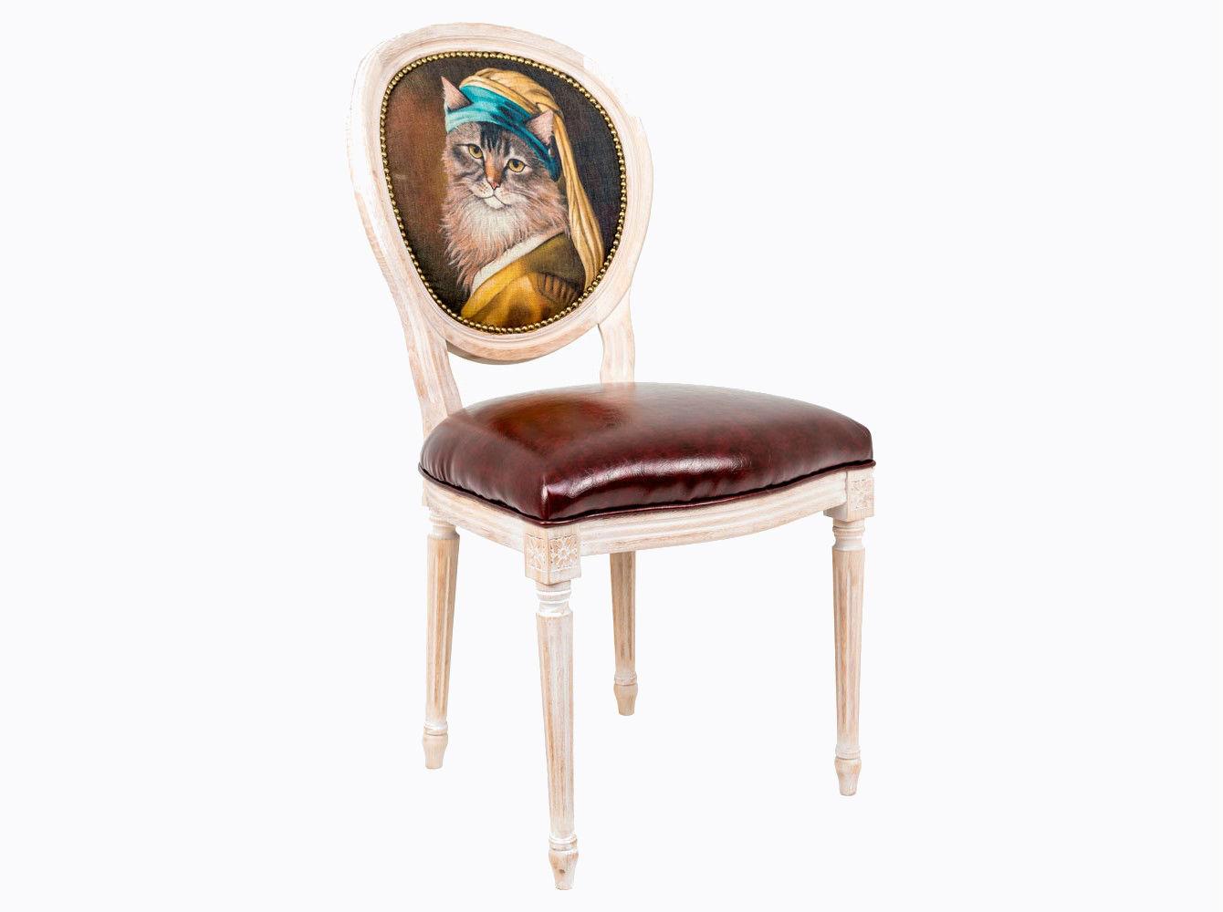 Стул «Музейный экспонат», версия 26Обеденные стулья<br>Стулья с овальными спинками - закон симметричной гармонии окружающего пространства. Овалы идеально рифмуются в интерьере с зеркалами.<br>Корпус стула изготовлен из натурального бука. Среди европейских пород бук считается самым прочным и долговечным материалом. По эксклюзивному дизайну &amp;quot;Объекта мечты&amp;quot; корпусы стульев серии &amp;quot;Музейный экспонат&amp;quot; выточены, брашированы и патинированы в Италии. <br>В дизайне &amp;quot;Музейный экспонат&amp;quot; резьба играет ведущую роль: стул украшен вычурными желобками и цветочными узорами, выточенными с ювелирной меткостью. <br>Комфортабельность, прочность и долговечность сиденья обеспечены подвеской из эластичных ремней. Обивка оснащена тефлоновым покрытием против пятен. <br>Не упустите возможности обладания поистине уникальной дизайнерской мебелью, - коллекция &amp;quot;Музейный экспонат&amp;quot; выпущена лимитированными экземплярами.&amp;amp;nbsp;&amp;lt;div&amp;gt;&amp;lt;br&amp;gt;&amp;lt;/div&amp;gt;&amp;lt;div&amp;gt;Каркас - натуральное дерево бука, обивка сиденья и оборотной стороны спинки - эко-кожа, обивка спинки: 29% лен, 9 % хлопок, 72% полиэстер&amp;lt;br&amp;gt;&amp;lt;/div&amp;gt;<br><br>Material: Дерево<br>Width см: 55<br>Depth см: 50<br>Height см: 95