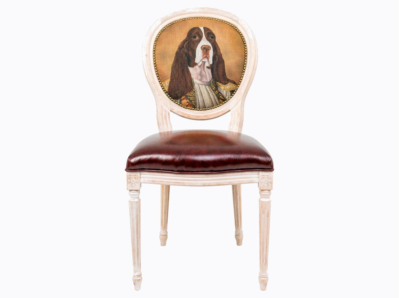 Стул «Музейный экспонат», версия 25Обеденные стулья<br>Корпус стула «Музейный экспонат»  изготовлен из натурального бука. Среди европейских пород бук считается самым прочным и долговечным материалом. По эксклюзивному дизайну &amp;quot;Объекта мечты&amp;quot; корпусы стульев данной серии выточены, брашированы и патинированы в Италии. В дизайне &amp;quot;Музейный экспонат&amp;quot; резьба играет ведущую роль: стул украшен вычурными желобками и цветочными узорами, выточенными с ювелирной меткостью.  В угоду моде &amp;quot;шебби-шик&amp;quot;, благородная фактура натурального дерева подчеркнута рукописной патиной. Штрихи старины обладают специфическим обаянием и теплом. Приобретая такую модель, можно быть уверенными в её эклектичном единстве с роскошным &amp;quot;ренессансом&amp;quot; и изнеженным &amp;quot;ампиром&amp;quot;, аскетичным &amp;quot;лофтом&amp;quot; и салонным &amp;quot;ар-деко&amp;quot;. Обивка оснащена тефлоновым покрытием против пятен. <br>Не упустите возможности обладания поистине уникальной дизайнерской мебелью, - коллекция &amp;quot;Музейный экспонат&amp;quot; выпущена лимитированными экземплярами.&amp;amp;nbsp;&amp;lt;div&amp;gt;&amp;lt;br&amp;gt;&amp;lt;/div&amp;gt;&amp;lt;div&amp;gt;Каркас - натуральное дерево бука, обивка сиденья и оборотной стороны спинки - эко-кожа, обивка спинки: 29% лен, 9 % хлопок, 72% полиэстер&amp;lt;br&amp;gt;&amp;lt;/div&amp;gt;<br><br>Material: Дерево<br>Ширина см: 55<br>Высота см: 95<br>Глубина см: 50
