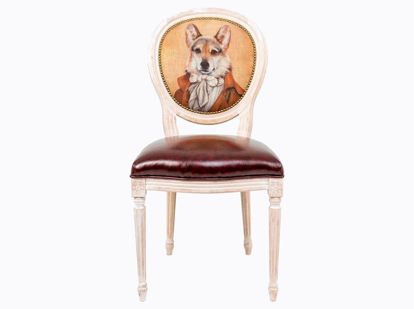 Стул «Музейный экспонат», версия 23Обеденные стулья<br>Стул &amp;quot;Музейный экспонат&amp;quot; - универсальное, но отборное решение гостиной и столовой, каминного зала, холла и кабинета, спальни и детской комнаты. Эклектичный дизайн обещает соседство с большинством классических и авангардных стилей. <br>Стулья с овальными спинками - закон симметричной гармонии окружающего пространства. Овалы идеально рифмуются в интерьере с зеркалами и картинными рамами. Корпус стула изготовлен из натурального бука. Среди европейских пород бук считается самым прочным и долговечным материалом. По эксклюзивному дизайну &amp;quot;Объекта мечты&amp;quot; корпусы стульев серии &amp;quot;Музейный экспонат&amp;quot; выточены, брашированы и патинированы в Италии. <br>В угоду моде &amp;quot;шебби-шик&amp;quot;, благородная фактура натурального дерева подчеркнута рукописной патиной. Штрихи старины обладают специфическим обаянием и теплом.<br>Комфортабельность, прочность и долговечность сиденья обеспечены подвеской из эластичных ремней. Обивка спинки оснащена тефлоновым покрытием против пятен. <br>Не упустите возможность обладания уникальной дизайнерской мебелью.&amp;amp;nbsp;&amp;lt;div&amp;gt;&amp;lt;br&amp;gt;&amp;lt;/div&amp;gt;&amp;lt;div&amp;gt;Каркас - натуральное дерево бука, обивка сиденья и оборотной стороны спинки - эко-кожа, обивка спинки: 29% лен, 9 % хлопок, 72% полиэстер&amp;lt;br&amp;gt;&amp;lt;/div&amp;gt;<br><br>Material: Дерево<br>Width см: 55<br>Depth см: 50<br>Height см: 95