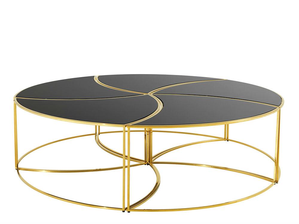 Журнальный столикЖурнальные столики<br>Журнальный столик, состоящий из пяти элементов. Основание из металла золотого цвета. Столешницы из черного стекла.<br><br>Material: Стекло<br>Ширина см: 150.0<br>Высота см: 40.0<br>Глубина см: 150.0