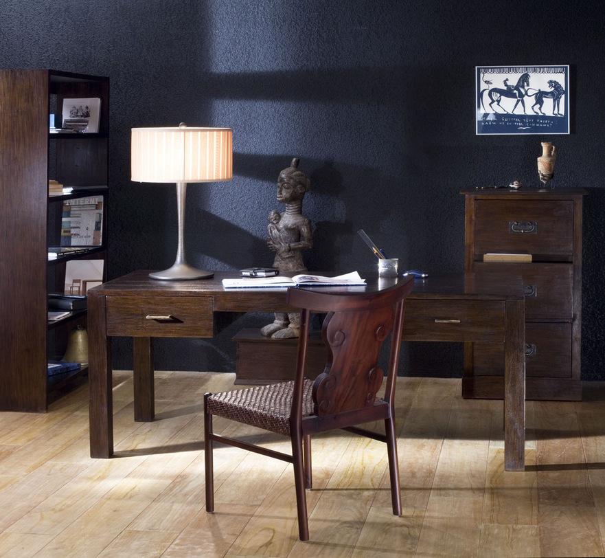 Стол письменный  Mera 160Письменные столы<br>Письменный стол в темных тонах из массива тика. Прямые линии, выбор размеров, один или два ящика в зависимости от размера. Возможен в отделке walnut brown, dark brown.<br>Длинна 140 см walnut brown (DE-77-S-wb), dark brown (DE-77-S) - под заказ<br>Длинна 160 см цвета walnut brown (DE-77-M-wb) - под заказ, dark brown (DE-77-M) - под заказ<br>Длинна 180 см цвета walnut brown (DE-77-L-wb), dark brown (DE-77-L) - под заказ<br><br>Material: Тик<br>Length см: 160<br>Width см: 80<br>Height см: 76