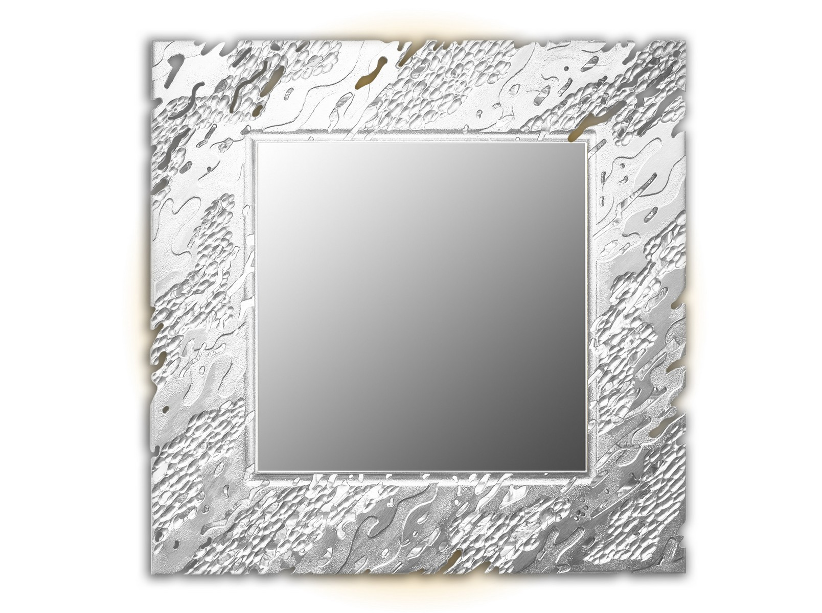 Зеркало REEFНастенные зеркала<br>Ветерок касается воды и солнечные блики играют на ее поверхности. <br>Завораживающая картина, дарящая отдых душе. На нее можно смотреть бесконечно. <br>Резной рисунок на раме зеркал коллекции Reef имитирует рябь на водной глади. <br>Данный вариант представлен в квадратной форме и серебристом цвете<br><br>Material: Дерево<br>Width см: 90<br>Depth см: 0,8<br>Height см: 90