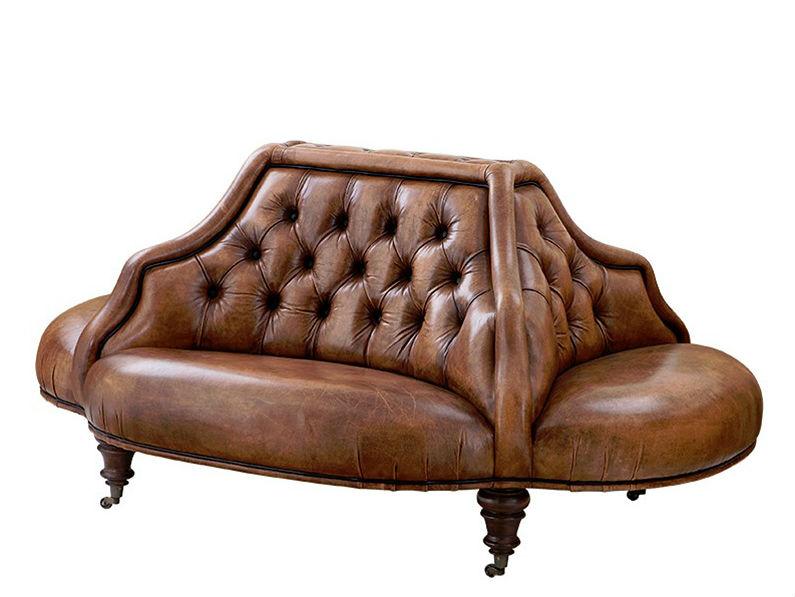 Диван MondrianТрехместные диваны<br>Диван на деревянных коричневых ножках с колесиками, обтянут кожей табачного цвета.&amp;amp;nbsp;<br><br>Material: Кожа<br>Width см: 170<br>Depth см: 130<br>Height см: 82