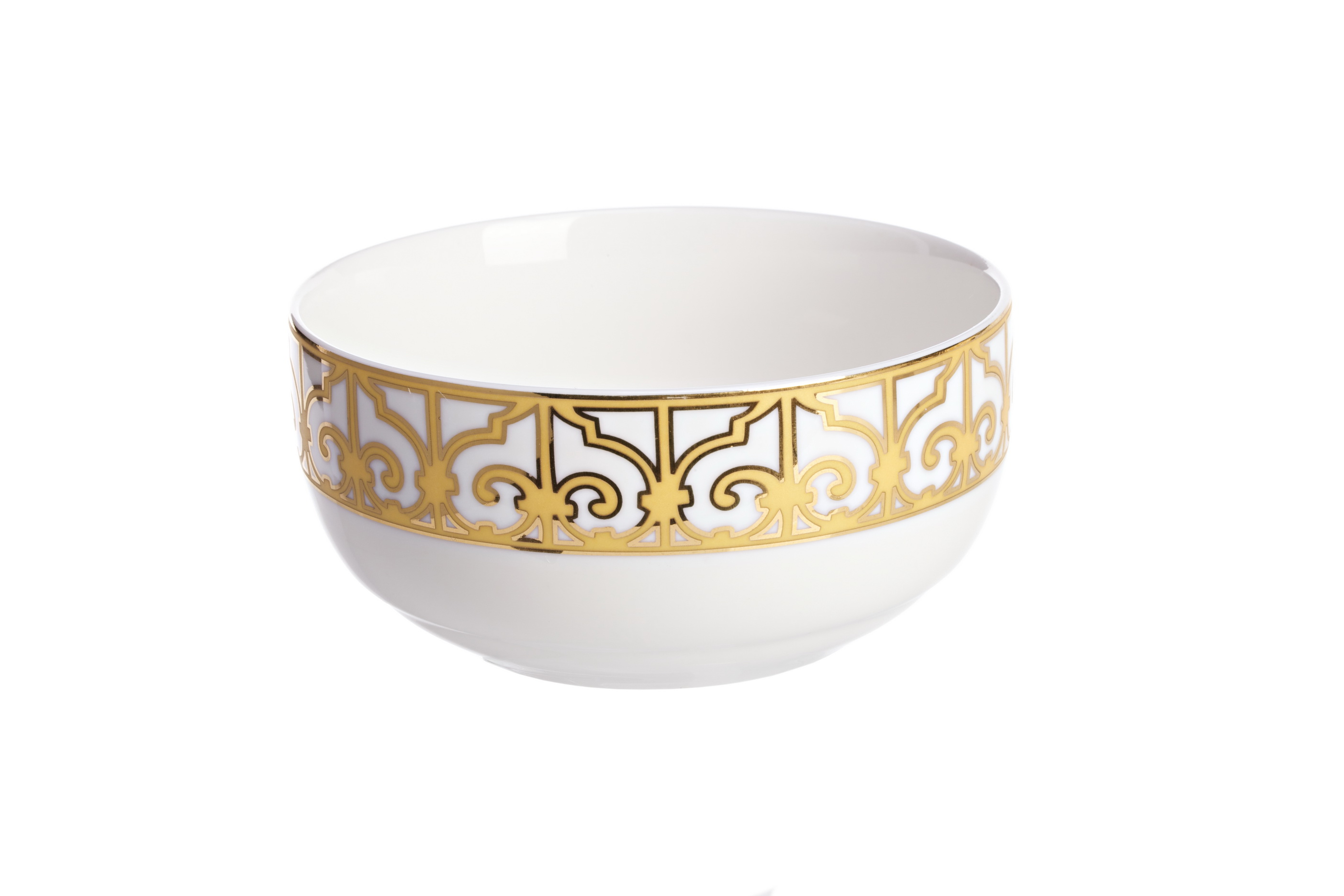 Салатник порционный MarbellaМиски и чаши<br>Небольшой порционный салатник серии «Marbella» предназначен для подачи закусок и салатов. Как и другие предметы коллекции, он выполнен из элитного костяного фарфора и украшен изысканным золотистым орнаментом в стиле модерн (moderne). Вы можете приобрести его отдельно, но гораздо эффектнее он будет смотреться в комплекте с другими предметами праздничной сервировки коллекции «Marbella».<br><br>Material: Фарфор<br>Высота см: 11