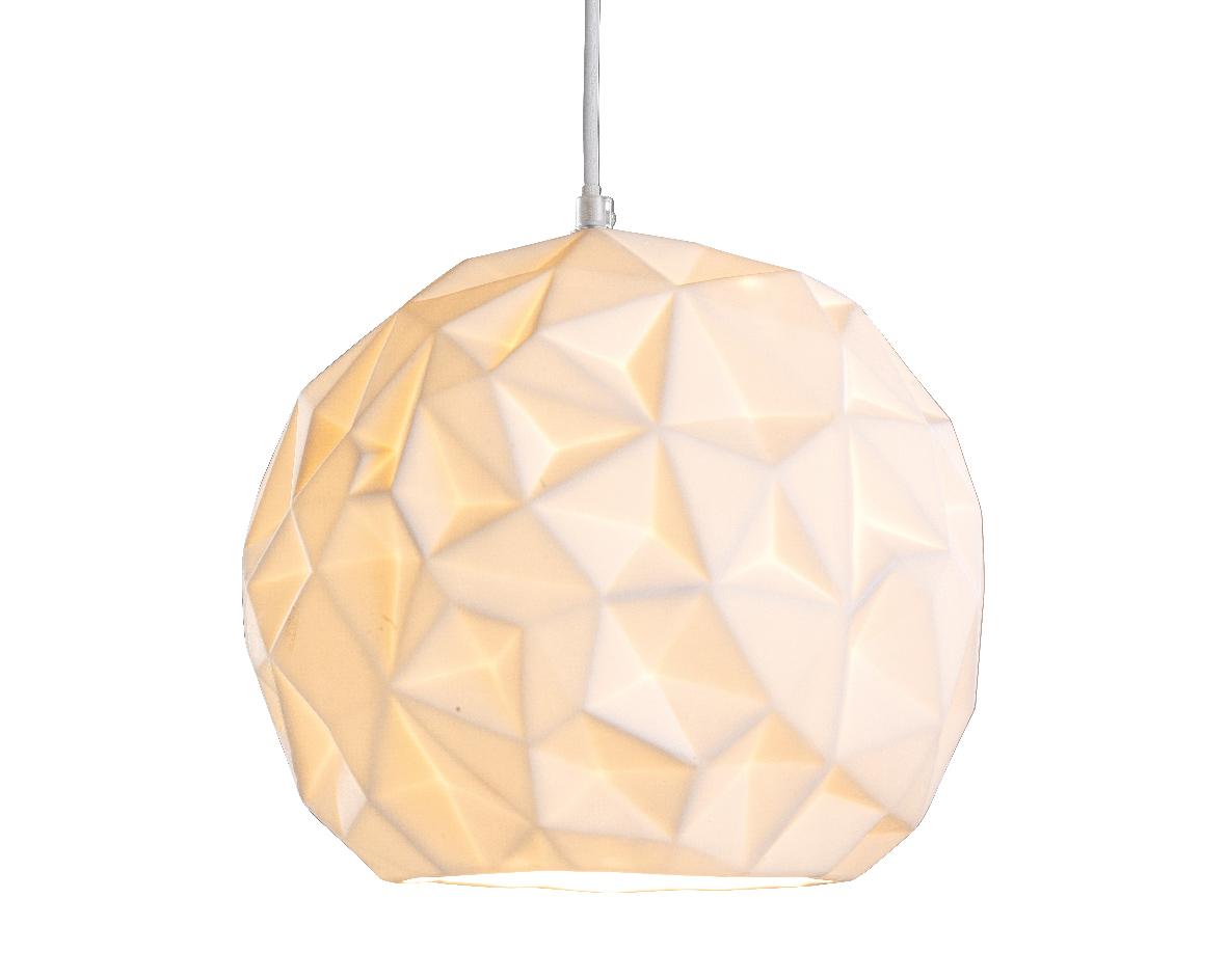 Подвесной светильник-шар из бисквитного фарфораПодвесные светильники<br>&amp;lt;div&amp;gt;Вид цоколя: Е27&amp;lt;/div&amp;gt;&amp;lt;div&amp;gt;Мощность лампы: 40W&amp;lt;/div&amp;gt;&amp;lt;div&amp;gt;Количество ламп: 1&amp;lt;/div&amp;gt;&amp;lt;div&amp;gt;Наличие ламп: нет&amp;lt;/div&amp;gt;<br><br>Material: Фарфор<br>Height см: 25<br>Diameter см: 25