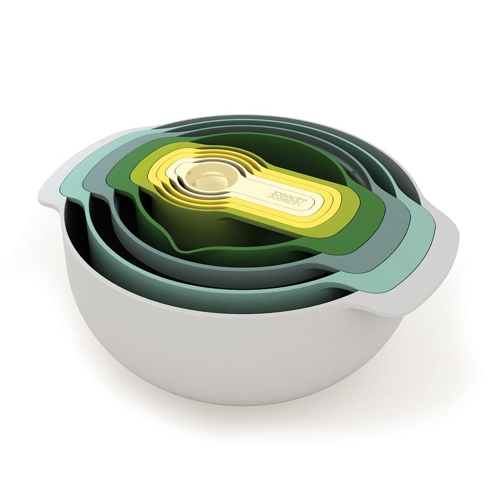 Набор мисок Nest plusМиски и чаши<br>Бестселлер от Joseph Joseph в новой цветовой гамме.  В набор входит 9 емкостей и инструментов для готовки: миски, сито, дуршлаг, чаши для измерения объема. Все предметы оснащены удобными ручками и нескользящим дном. Благодаря инновационному дизайну все части компактно складываются одна в другую и занимают абсолютный минимум места — где бы они ни хранились.&amp;amp;nbsp;&amp;lt;div&amp;gt;&amp;lt;br&amp;gt;&amp;lt;/div&amp;gt;&amp;lt;div&amp;gt;&amp;lt;iframe width=&amp;quot;530&amp;quot; height=&amp;quot;315&amp;quot; src=&amp;quot;https://www.youtube.com/embed/s0lAYPJwKbE&amp;quot; frameborder=&amp;quot;0&amp;quot; allowfullscreen=&amp;quot;&amp;quot;&amp;gt;&amp;amp;lt;/iframe&amp;lt;/iframe&amp;gt;&amp;lt;/div&amp;gt;<br><br>Material: Пластик<br>Width см: 32,5<br>Depth см: 26<br>Height см: 15