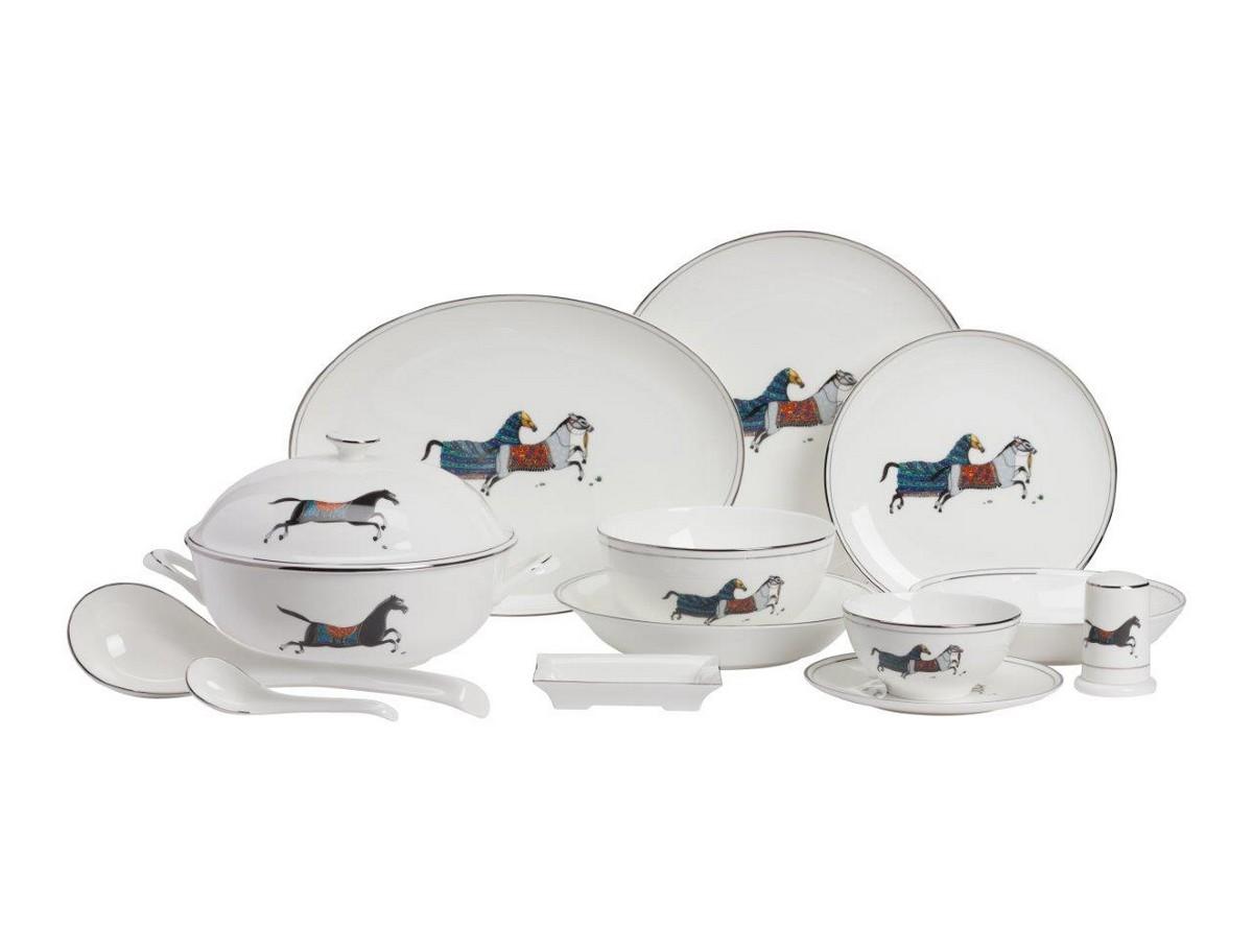 Столовый сервиз JavierСтоловые сервизы<br>Столовый сервиз Javier выполнен из великолепного фарфора в стиле ампир. Декором служит минимализированный рисунок, в виде скачущих лошадей, контрастно выделяющихся на белом фоне столовых предметов.&amp;amp;nbsp;&amp;lt;div&amp;gt;&amp;lt;br&amp;gt;&amp;lt;/div&amp;gt;&amp;lt;div&amp;gt;Состав: Тарелка диаметром 16 см - 10 шт.; тарелка диаметром 20 см - 4 шт.; миска диаметром 11 см - 10 шт.; миска диаметром 15 см - 4 шт.; подставка для зубочисток - 1 шт.; пепельница - 1 шт.; блюдо диаметром 19 см - 4 шт.; блюдо диаметром 22 см - 2 шт.; блюдо диаметром 30 см - 1 шт.; блюдо диаметром 27 см - 1 шт. супница - 1 шт.; поварешка - 1 шт.; ложка маленькая - 10 шт.&amp;lt;/div&amp;gt;<br><br>Material: Фарфор<br>Width см: 52<br>Depth см: 52<br>Height см: 44