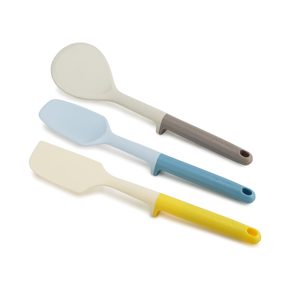 Набор лопаток для выпечки Elevate baking setАксессуары для кухни<br>Набор из 3 инструментов для выпечки. В комплект входит: силиконовая лопатка для жидкого теста, ложка для крутого теста и лопатка для переворачивания и для снятия выпечки с противня.<br><br>Входит в серию кухонных приборов Elevate™ , разработанную с целью минимизировать беспорядок во время готовки. Каждый прибор оснащён инновационной утяжелённой ручкой, благодаря которой испачканная часть инструмента всегда остается навесу и не касается рабочей поверхности. Прочный силикон выдерживает температуру до  270°C.  <br>Подходит для совместного применения с противопригарной посудой. Можно мыть в посудомоечной машине.<br><br>Material: Пластик<br>Width см: 13,5<br>Depth см: 6<br>Height см: 31