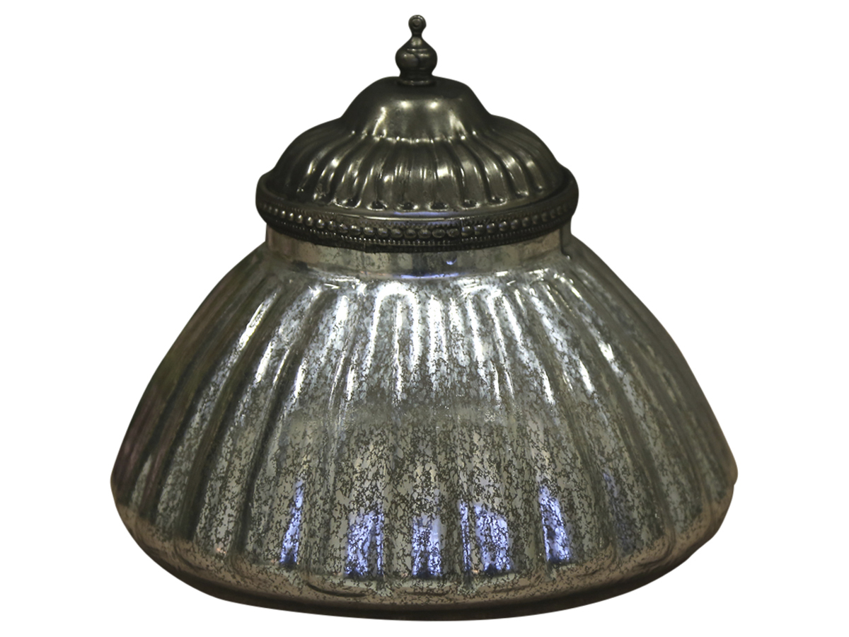 Винтажная шкатулкаШкатулки<br>Посеребренное стекло, цвет серебряный антик<br><br>Material: Стекло<br>Height см: 18<br>Diameter см: 21