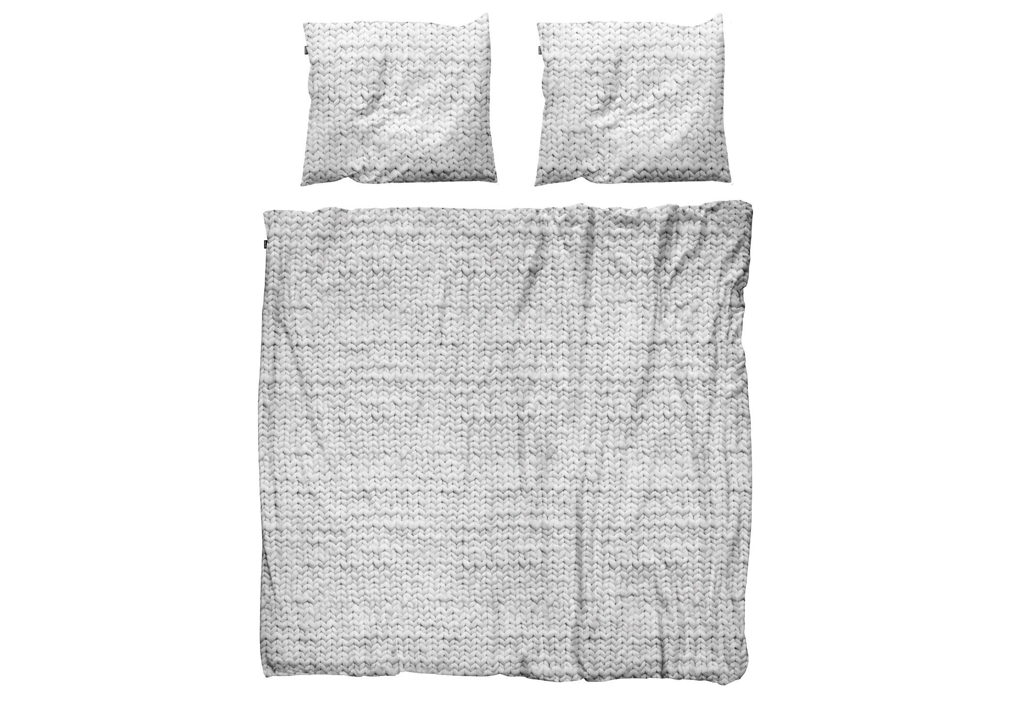Комплект постельного белья Косичка серыйДвуспальные комплекты постельного белья<br>Этот мягкий узор связан очень большими спицами, а клубки шерсти были размером с баскетбольные мячи. Все для того, чтобы внести уют и тепло в вашу спальню в холодные зимние ночи.&amp;amp;nbsp;&amp;lt;div&amp;gt;&amp;lt;br&amp;gt;&amp;lt;/div&amp;gt;&amp;lt;div&amp;gt;Материал: 100% хлопок ПЕРКАЛЬ (плотность ткани 214г/м2).&amp;lt;div&amp;gt;&amp;lt;span style=&amp;quot;line-height: 1.78571;&amp;quot;&amp;gt;В комплект входит: пододеяльник 200х220см - 1 шт, наволочка 50х70см - 2 шт.&amp;lt;/span&amp;gt;&amp;lt;br&amp;gt;&amp;lt;/div&amp;gt;&amp;lt;/div&amp;gt;<br><br>Material: Хлопок<br>Ширина см: 200