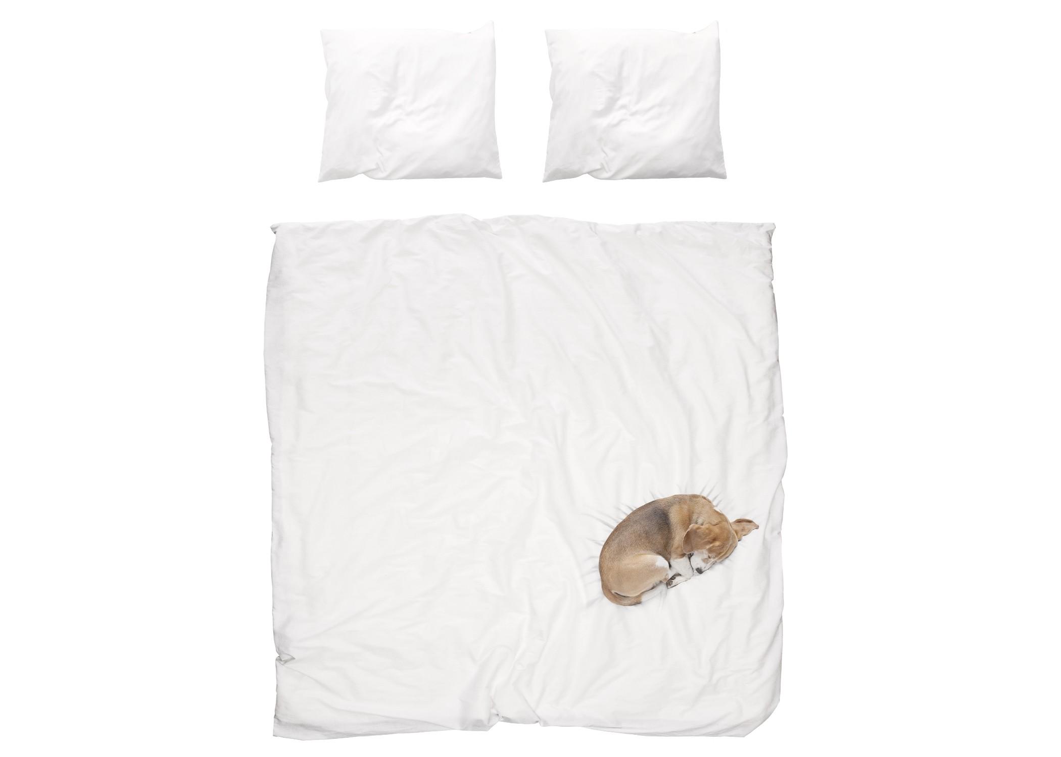 Комплект постельного белья Собака БобДвуспальные комплекты постельного белья<br>Знакомьтесь, это Боб. Боб любит все разнюхивать, гулять, баловаться и таскать угощения из кухни. Но больше всего Боб любит спать, свернувшись калачиком на мягкой и теплой постели своего хозяина. Он мог бы проспать весь день. И всю ночь.&amp;amp;nbsp;&amp;lt;div&amp;gt;&amp;lt;br&amp;gt;&amp;lt;/div&amp;gt;&amp;lt;div&amp;gt;Материал: 100% хлопок ПЕРКАЛЬ (плотность ткани 214г/м2).&amp;amp;nbsp;&amp;lt;div&amp;gt;&amp;lt;span style=&amp;quot;line-height: 1.78571;&amp;quot;&amp;gt;В комплект входит: пододеяльник 200х220см - 1 шт, наволочка 50х70см - 2 шт.&amp;lt;/span&amp;gt;&amp;lt;br&amp;gt;&amp;lt;/div&amp;gt;&amp;lt;/div&amp;gt;<br><br>Material: Хлопок<br>Ширина см: 200<br>Глубина см: 220