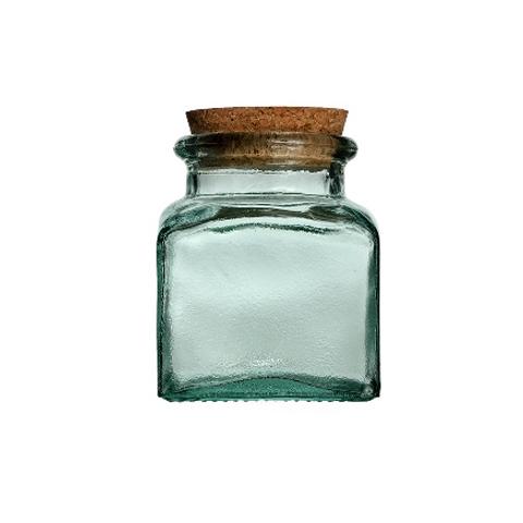 Банка КвадратоБанки и бутылки<br>San Miguel (Испания) – это мощнейшая компания, которая занимается производством очень качественной и оригинальной продукции из переработанного стекла. Vidrios San Miguel известный бренд во всем мире. В наши дни, Vidrios San Miguel имеет более чем 25 000 торговых точек.  Vidrios San Miguel занимается производством стеклянных изделий: посуда, бутылки, вазы, сувениры, украшения и многое другое. Основной экспорт происходит в страны: западной и восточной Европы, Америки, Азии и Африки.<br><br>Material: Стекло<br>Height см: 17<br>Diameter см: 15