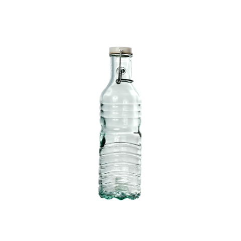 БутыльБанки и бутылки<br>San Miguel (Испания) – это мощнейшая компания, которая занимается производством очень качественной и оригинальной продукции из переработанного стекла. Vidrios San Miguel известный бренд во всем мире. В наши дни, Vidrios San Miguel имеет более чем 25 000 торговых точек. Vidrios San Miguel занимается производством стеклянных изделий: посуда, бутылки, вазы, сувениры, украшения и многое другое. Основной экспорт происходит в страны: западной и восточной Европы, Америки, Азии и Африки.<br><br>Material: Стекло<br>Height см: 27<br>Diameter см: 7