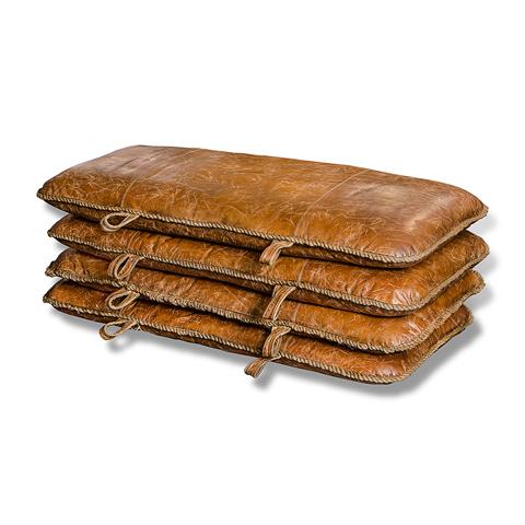 Набор пуфов (4 шт)Кожаные пуфы<br><br><br>Material: Кожа<br>Width см: 132<br>Depth см: 12<br>Height см: 73