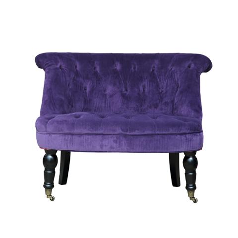 Кресло КамденИнтерьерные кресла<br>Выработанный фирменный стиль коллекций EICHHOLTZ сегодня узнаваем&amp;amp;nbsp;во всем мире. Команда дизайнеров активно ищет вдохновение из различных источников по всему миру - музеев, на антикварных аукционах и в антикварных лавках. Стиль EICHHOLTZ – это фьюжн, разнообразие впечатлений и идей в единой коллекции.<br><br>Material: Бархат<br>Width см: 87,5<br>Depth см: 66<br>Height см: 72
