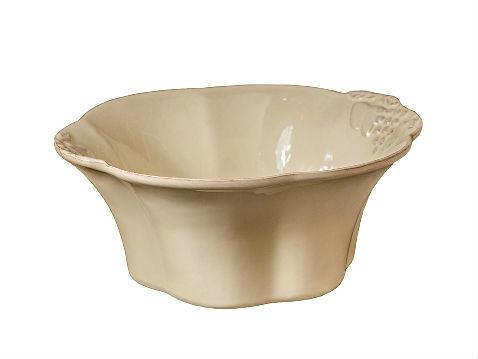 ЧашаЧаши<br>Керамическая посуда Costa Nova абсолютно устойчива к мытью, даже в посудомоечной машине, ее вполне можно использовать для замораживания продуктов и в микроволновой печи, при этом можно не бояться повредить эту великолепную глазурь и свежие краски. Такую посуду легко мыть, при ее очистке можно использовать металлические губки – и все это благодаря прочному глазурованному покрытию.<br><br>Material: Керамика<br>Diameter см: 28