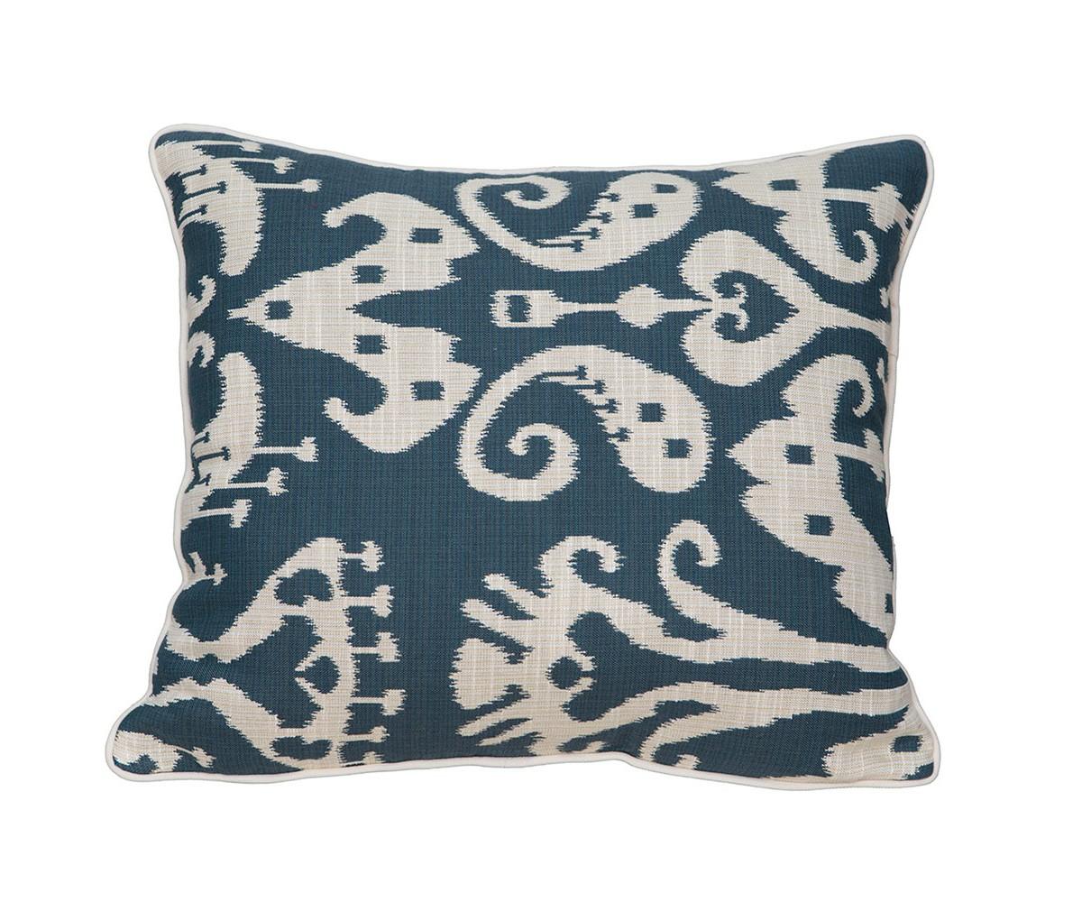Подушка декоративная BelmontКвадратные подушки<br>Тема икатов как никогда популярна в текстильном дизайне в настоящее время.В современном дизайне такую подушку можно вводить не только в восточный интерьер, интересным и неожиданным акцентом такая подушка станет и в классическом интерьере - все зависит от Вашей смелости и желания выразить в интерьере свою индивидуальность.&amp;lt;div&amp;gt;&amp;lt;br&amp;gt;&amp;lt;/div&amp;gt;&amp;lt;div&amp;gt;Материал: 80% хлопок/ 20% вискоза.&amp;lt;br&amp;gt;&amp;lt;/div&amp;gt;<br><br>Material: Хлопок<br>Width см: 35<br>Depth см: 10<br>Height см: 40