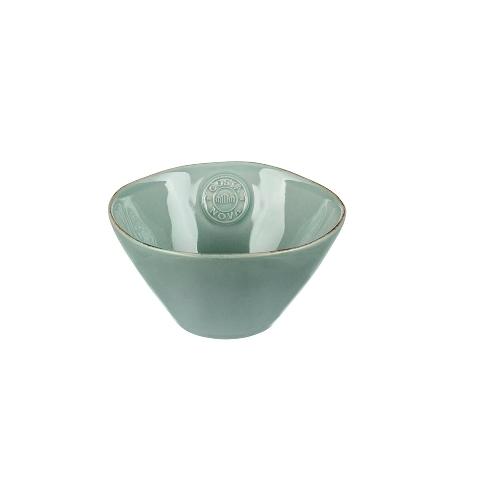 ЧашаЧаши<br>Керамическая посуда Costa Nova абсолютно устойчива к мытью, даже в посудомоечной машине, ее вполне можно использовать для замораживания продуктов и в микроволновой печи, при этом можно не бояться повредить эту великолепную глазурь и свежие краски. Такую посуду легко мыть, при ее очистке можно использовать металлические губки – и все это благодаря прочному глазурованному покрытию.<br><br>Material: Керамика<br>Diameter см: 15