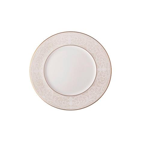 Тарелка десертнаяТарелки<br>MIKASA по праву считается одним из мировых лидеров по производству столовой посуды из фарфора и керамики. На протяжении более полувека категории качества и дизайна являются неотъемлемой частью бренда. Сегодня MIKASA сотрудничает со многими известными дизайнерами, работающими для лучших фабрик мира, и использует самые передовые технологии в производстве посуды. Все продукты бренда безупречны с точки зрения дизайна и исполнения.<br><br>Material: Керамика<br>Diameter см: 21