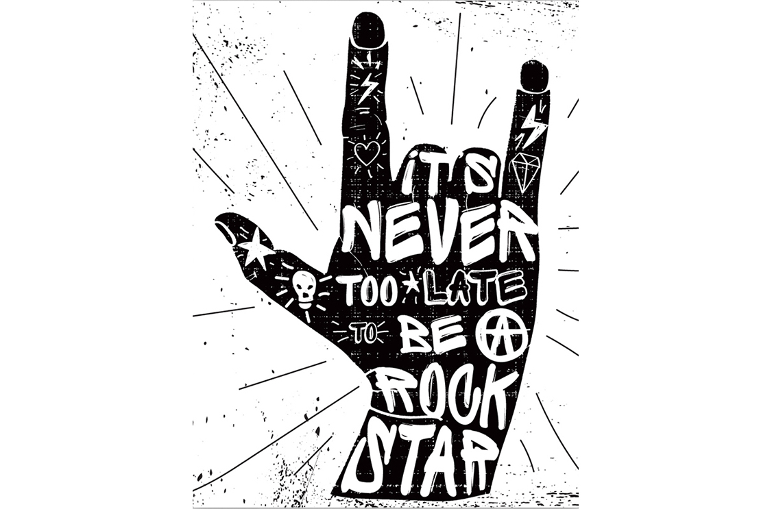 Картина Rock starКартины<br>It  s never to late be rock star   -   Никогда не поздно стать рок-звездой  <br>Если   It  s never too late be Rock Star   - это про тебя? Тогда тебе срочно нужен этот дерзкий постер! И не важно, сколько тебе лет, 20 или 50, хочешь быть рок- звездой - будь!  Жизнь одна, так проживи её на полную катушку!<br>Совершай безбашенные поступки, встречай рассвет на крыше, прыгай с парашютом, признавайся в любви. Не скрывай своих чувств и эмоций, ведь именно так и поступают настоящие рок-звезды!<br>Картина  Rock star  выполнена в черно-белых тонах, сочетание которых  никогда не выйдет из моды. Ведь что может быть более вечным, чем черно-белая классика? Внеси в свой интерьер драйва и никогда не старей душой!<br><br>Material: Холст<br>Width см: 50<br>Height см: 70