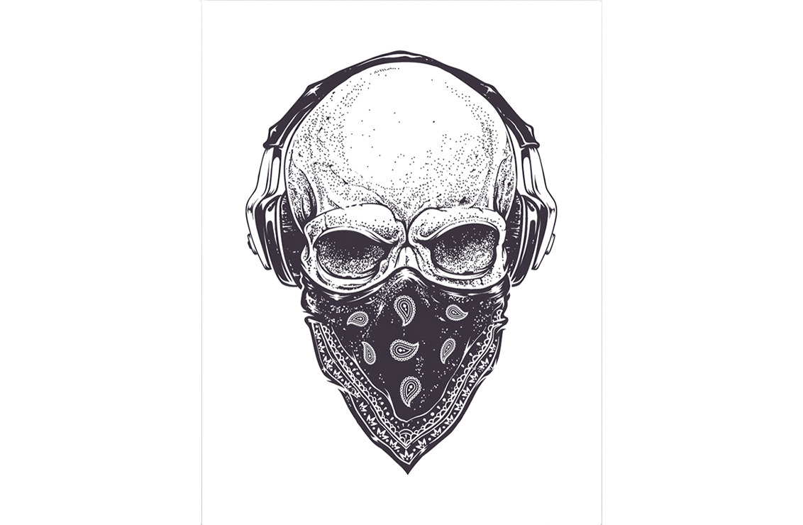 Постер Bass &amp; Skull Размер A1Постеры<br>Замечательный постер   Bass   Skull   для тех, кому близок дух улиц и движением в стиле андеграунд. <br>Андерграунд   - совокупность творческих направлений в современном искусстве (музыке, литературе, кино, изобразительном искусстве и др.), противопоставляющихся массовой культуре, мейнстриму и официальному искусству. Андерграунд включает в себя неформальные, независимые или запрещённые цензурой виды и произведения искусства. <br>К андерграунду относили некоторые виды рок-музыки, такие, как экстремальный и авангардный метал и гранж. Часто латино и афроамериканцы бедных районов собирались в небольшие группы под мостами, в парках и старых клубах для   чеканки   и рэп-батлов. Впоследствии из таких   тусовок   и произошли андерграундные стили, позже ставшие весьма популярными. Большие наушники и арафатка, раньше были неотъемлемыми атрибутами сторонников данного движения. <br>Если и ты любишь выделяться и идти поперек системы - этот постер для тебя! Покажи всем свой характер и придай индивидуальный стиль своему интерьеру.<br><br>Material: Бумага<br>Width см: 59<br>Height см: 84