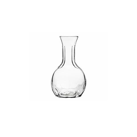 ГрафинКувшины и графины<br>Стекольная фабрика la Rochere (Франция) основана в 1475 году сегодня является старейшим действующим стекольным предприятием Франции и, безусловно, одним из старейших в мире. Особая техника выдувания стекла хранилась в строжайшей тайне и вместе со званием «стекольного дворянина» передавалась владельцем la Rochere из поколения в поколение законному наследнику. И в наши дни работник, поступающий на фабрику la Rochere, принимает торжественную присягу, обязуясь не разглашать секреты стекла la Rochere. Ассортимент выпускаемой сегодня продукции очень широк и включает: посуду и декоративные изделия из прессованного и выдувного стекла: стаканы, подсвечники, салатницы, креманки, графины и тарелки. Изящные изделия художников la Rochere привлекут внимание знатоков и ценителей французского стиля Арт Нуво. Стекло безупречных форм внесет изысканность и аристократизм в Ваш интерьер и привнесет частичку Франции в окружающую Вас действительность. La Rochere отличается особой декоративностью. Эти стеклянные приборы станут отличным дополнением стильной сервировки в частной жизни и заведениях.&amp;lt;div&amp;gt;&amp;lt;br&amp;gt;&amp;lt;/div&amp;gt;&amp;lt;div&amp;gt;Объем: 250 мл.&amp;lt;br&amp;gt;&amp;lt;/div&amp;gt;<br><br>Material: Стекло