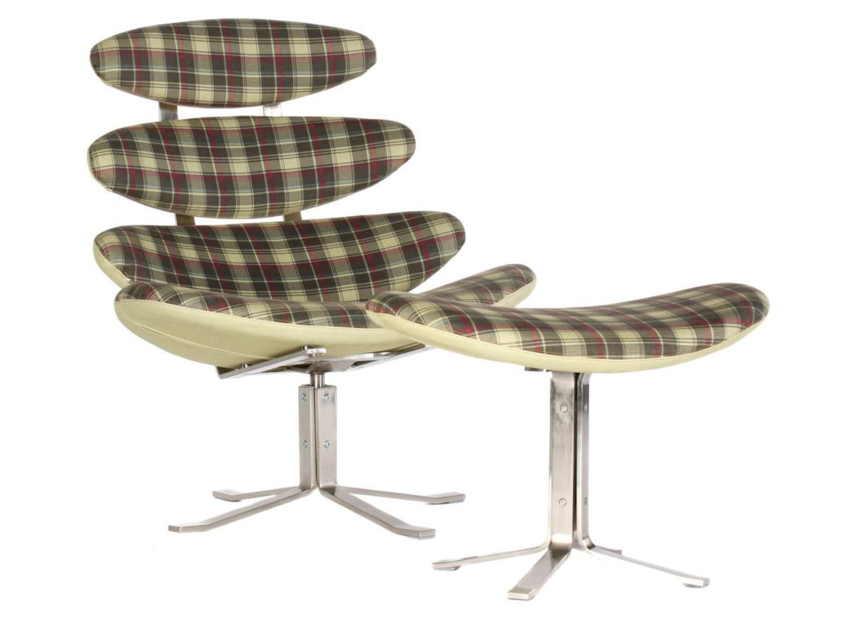 Кресло CoronaИнтерьерные кресла<br>Кресло Corona – работа датского дизайнера Пола Волтнера. То, что датские дизайнеры в XX-м веке «сделали» всех, наверное объяснять не надо. А вот сама Corona требует пояснений. Волтнер вдохновлялся анатомией человека (кресло напоминает мягкий скелет), в 1961 году эта модель была встречена без энтузиазма. Зато ровно через тридцать лет ее показали на кельнской выставке и кресло побило все рекорды продаж!<br><br>Material: Текстиль<br>Length см: None<br>Width см: 85<br>Depth см: 50<br>Height см: 90