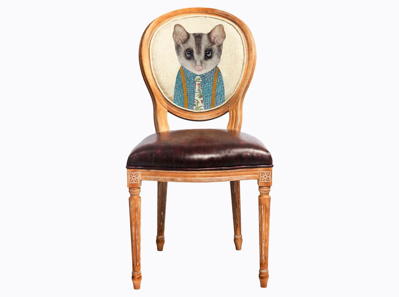 Стул «Мистер Поль»Обеденные стулья<br>Стул &amp;quot;Мистер Поль&amp;quot; - универсальное, но отборное решение гостиной, столовой, спальни, кабинета, холла и детской комнаты.<br>Дизайн стула создан эффектом экстравагантных контрастных сочетаний. Дымчатая фактура натурального дерева оттеняет густой шоколад сиденья, благородный дворцовый корпус обрамляет рисунок в жанре современного &amp;quot;фэнтези&amp;quot;.<br>Приобретая такую модель, можно быть уверенными в её эклектичном единстве с роскошным &amp;quot;ренессансом&amp;quot; и изнеженным &amp;quot;ампиром&amp;quot;, аскетичным &amp;quot;лофтом&amp;quot; и салонным &amp;quot;ар-деко&amp;quot;.&amp;lt;div&amp;gt;&amp;lt;br&amp;gt;&amp;lt;/div&amp;gt;&amp;lt;div&amp;gt;&amp;lt;span style=&amp;quot;line-height: 24.9999px;&amp;quot;&amp;gt;Материал: бук, экокожа, лен, хлопок&amp;lt;/span&amp;gt;&amp;lt;br&amp;gt;&amp;lt;/div&amp;gt;&amp;lt;div&amp;gt;&amp;lt;span style=&amp;quot;line-height: 24.9999px;&amp;quot;&amp;gt;&amp;lt;br&amp;gt;&amp;lt;/span&amp;gt;&amp;lt;/div&amp;gt;&amp;lt;div&amp;gt;&amp;lt;br&amp;gt;&amp;lt;/div&amp;gt;<br><br>&amp;lt;iframe width=&amp;quot;530&amp;quot; height=&amp;quot;315&amp;quot; src=&amp;quot;https://www.youtube.com/embed/3vitXSFtUrE&amp;quot; frameborder=&amp;quot;0&amp;quot; allowfullscreen=&amp;quot;&amp;quot;&amp;gt;&amp;lt;/iframe&amp;gt;<br><br>Material: Дерево<br>Ширина см: 47<br>Высота см: 98<br>Глубина см: 50