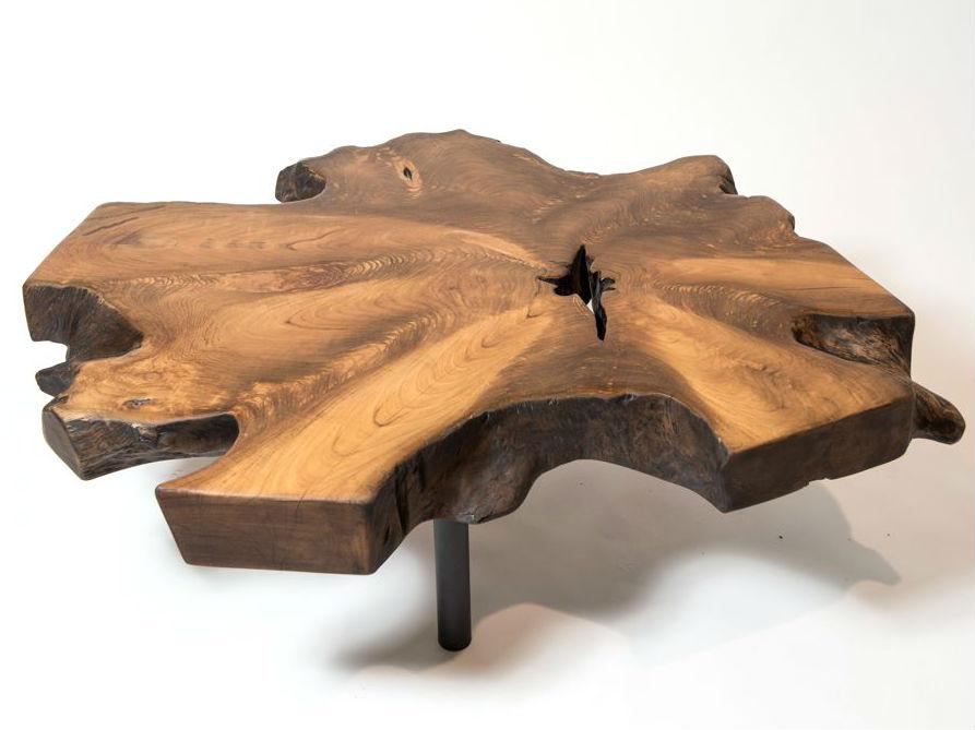 Стол кофейный Root 80Журнальные столики<br>Столешница из корня тика придает этому кофейному столу на круглых металлических ножках особую выразительность. Тут и фактура, и  уникальная текстура, и легенда.<br><br>Material: Тик<br>Ширина см: 80<br>Высота см: 32<br>Глубина см: 80
