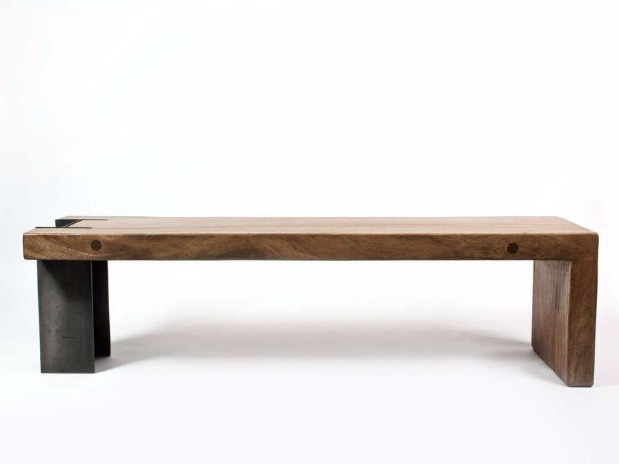 Скамья BrittСкамейки<br>Колоритная фактура благородного тика, строгая геометрия линий и металлическая ножка, подчеркивающая характер этого предмета мебели. Органично будет смотреться в любом пространстве – от рустики до лофта, от спальни до сада.&amp;amp;nbsp;<br><br>Material: Дерево<br>Length см: 0<br>Width см: 160<br>Depth см: 40<br>Height см: 45<br>Diameter см: 0