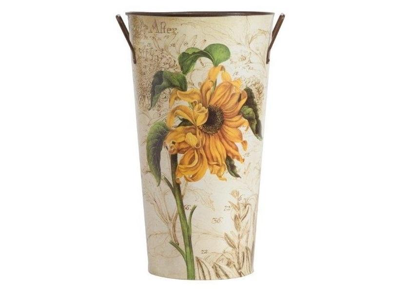 Декоративное кашпо Bronto GrandeКашпо<br>Симпатичное декоративное кашпо Bronto Grande станет прекрасным украшением вашего домашнего сада, наполнит его яркими красками и роскошью. Изготовленное из металла и имеющее очаровательный рисунок в виде цветка на нежном бежевом фоне, такой аксессуар будет уместно смотреться как в современном, так и в классическом интерьере. Кашпо можно приобрести отдельно или с изделиями из той же коллекции. Объем 3 л.<br><br>Material: Металл<br>Width см: None<br>Depth см: None<br>Height см: 36<br>Diameter см: 18