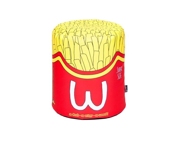 """Пуфик FriesФорменные пуфы<br>""""So fresh! So crispy! So woouf!"""" — такая свежая, хрустящая, ого-го! — барселонский бренд Woouf! предлагает всем ценителям незаурядного дизайна купить пуф Fries, стилизованный под огромную порцию картошки фри. Пуфик не занимает много места: его высота — 45 см, диаметр — 40 см. В качестве наполнителя производитель использует традиционный для бинбегов материал — шарики полистирола. Fries хорош для частных квартир, обитатели которых не прочь раскрасить привычный мир яркими маркерами. Пуф окажется полезным в прихожей, гостиной, детской комнате или кухне. Также рекомендуем модель владельцам кафе, тренинг-центров, коворкингов. Особенно эффектно мягкий пуфик Fries выглядит в паре с пуфом Burger.<br><br>Material: Текстиль<br>Height см: 45<br>Diameter см: 40"""