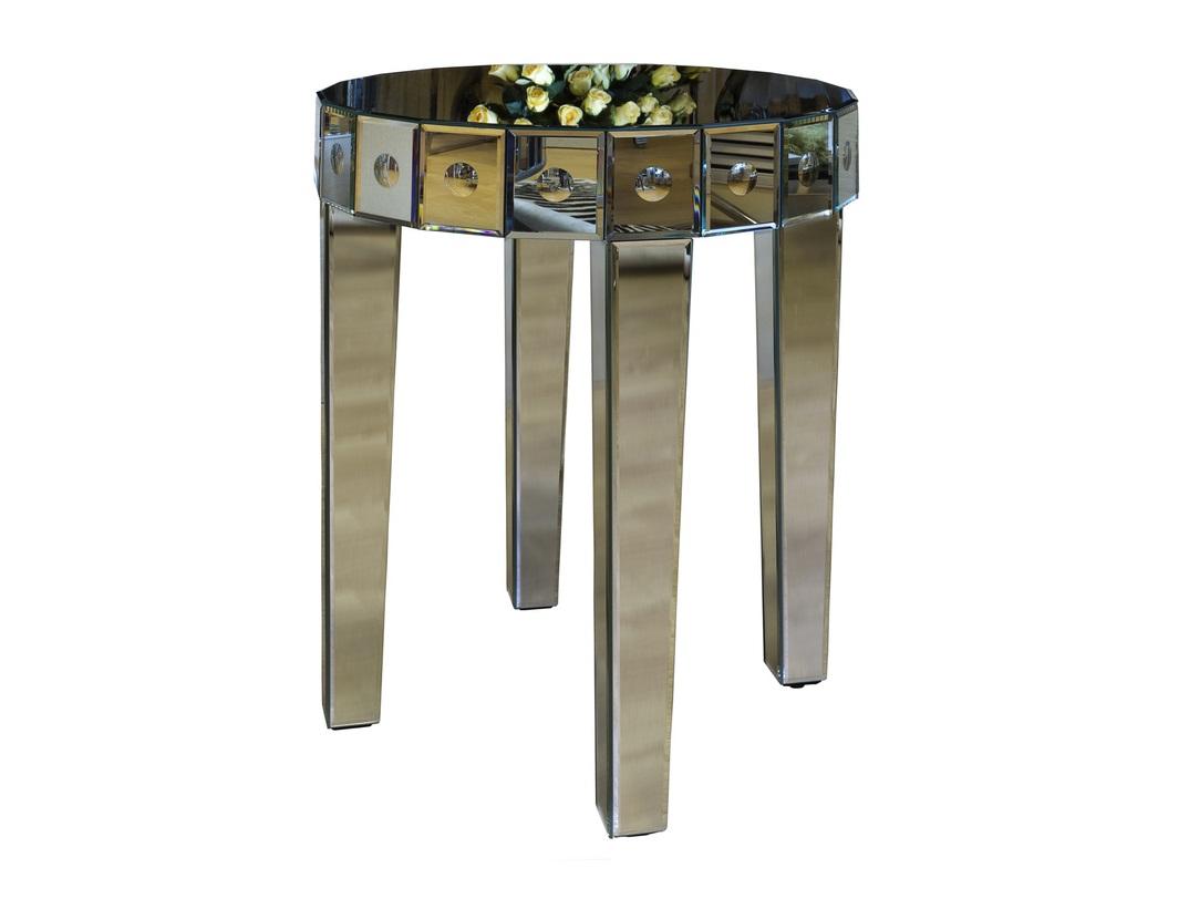 Стол зеркальныйПриставные столики<br>Шикарный зеркальный столик округлой формы с выпуклыми деталями и сужающимися ножками по периметру. Этот столик не только украсит ваш интерьер, но и выгодно подчеркнет окружающие предметы.<br><br>Material: МДФ<br>Length см: 51.5<br>Width см: 51.5<br>Depth см: None<br>Height см: 61.6<br>Diameter см: None
