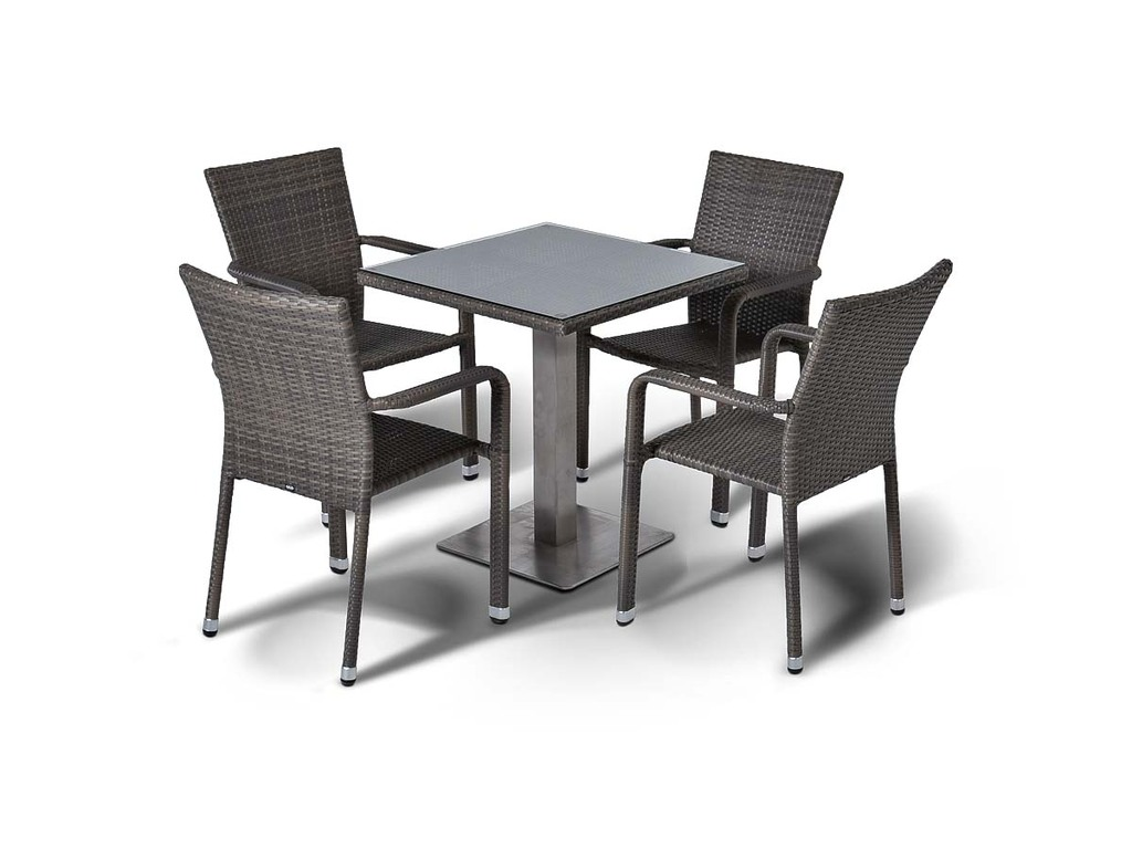 Обеденная группа КоллектоКомплекты уличной мебели<br>Cтол со стеклянной столешницой толщиной 5 мм. Алюминиевый каркас, искусственный ротанг, плетение плоское.&amp;amp;nbsp;&amp;lt;div&amp;gt;&amp;lt;br&amp;gt;&amp;lt;/div&amp;gt;&amp;lt;div&amp;gt;Габариты стула: 57х61х88 см&amp;lt;br&amp;gt;Габариты стола: 70х75х70 см&amp;lt;/div&amp;gt;<br><br>Material: Ротанг<br>Width см: 70<br>Depth см: 70<br>Height см: 75