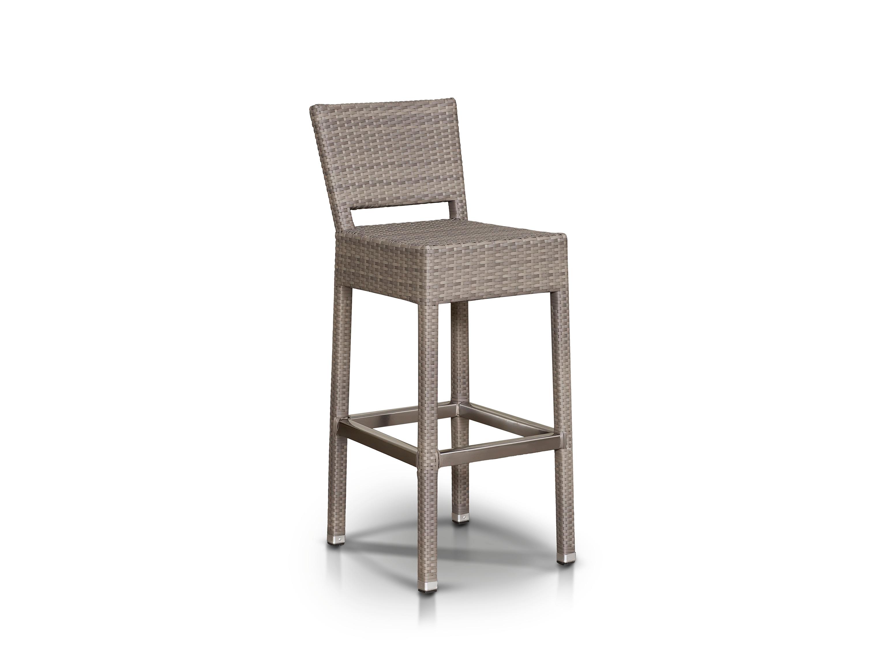 Стул барного комплекта СтрезаСтулья для улицы<br>Барный комплект на 4 персоны, стол со столешницей из тика, алюминиевый каркас.<br><br>Общую стоимость комплекта уточняйте у менеджера.<br><br>Material: Ротанг<br>Length см: 43.0<br>Width см: 53.0<br>Depth см: None<br>Height см: 104.0<br>Diameter см: None